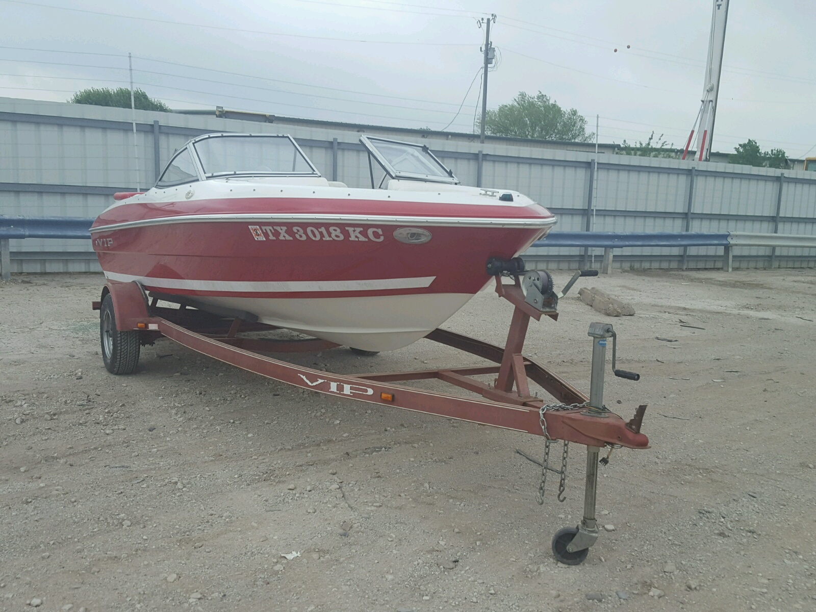 Salvage 2004 Vipp BOAT for sale