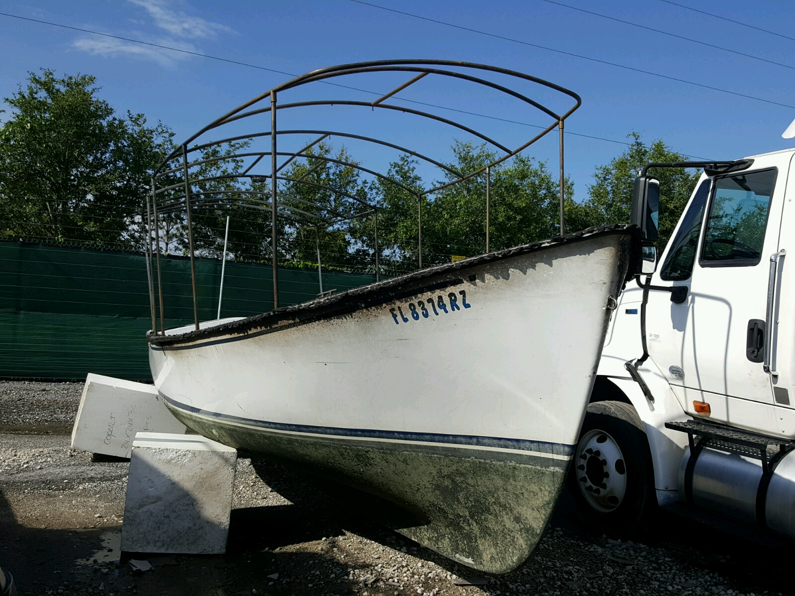 Salvage 2001 Duff MARINE LOT for sale