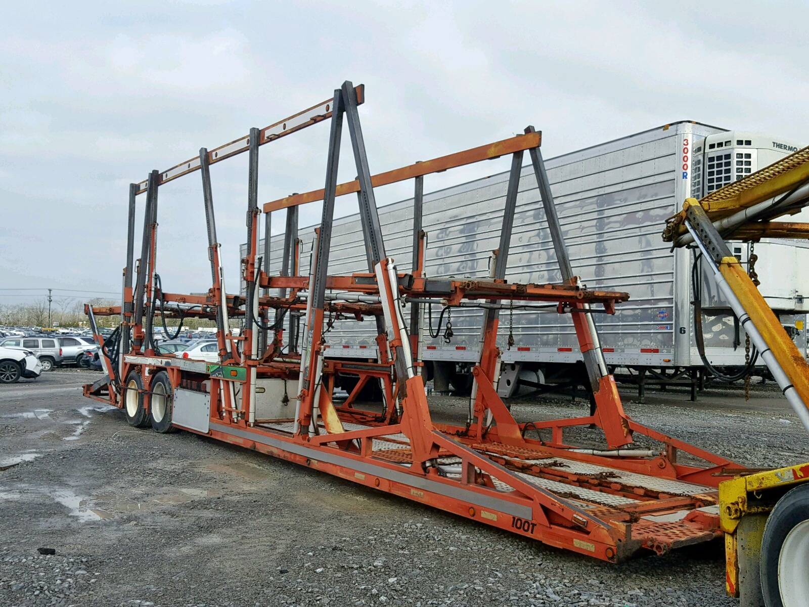 Salvage 2000 Cottrell CAR HAULER for sale