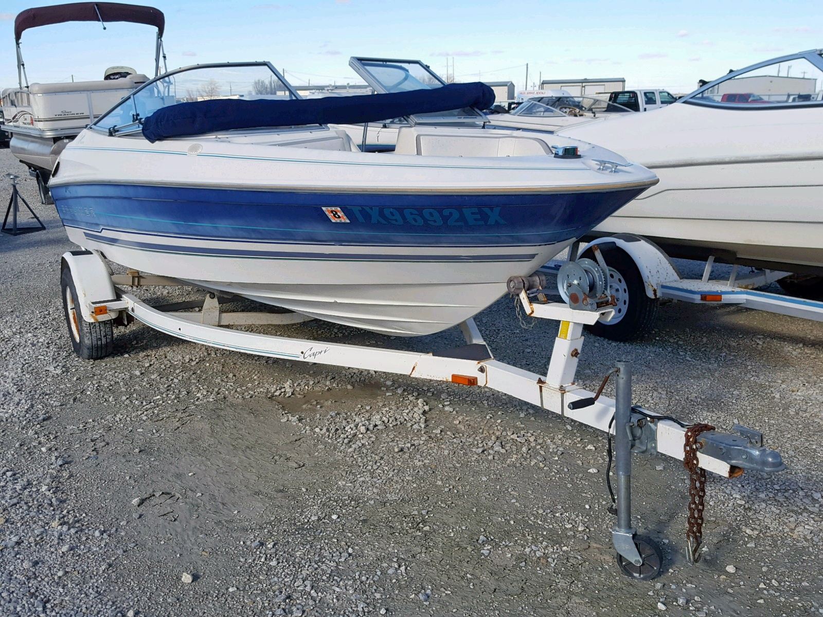 Salvage 1993 Bayliner 1850BR for sale