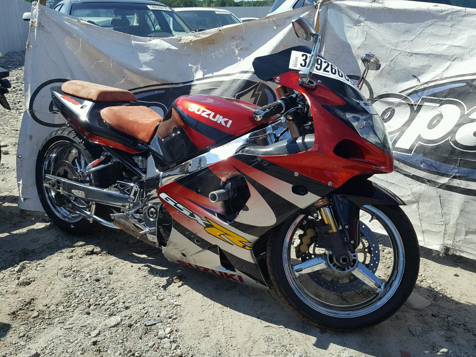 Salvage 2001 Suzuki GSX-R1000 for sale