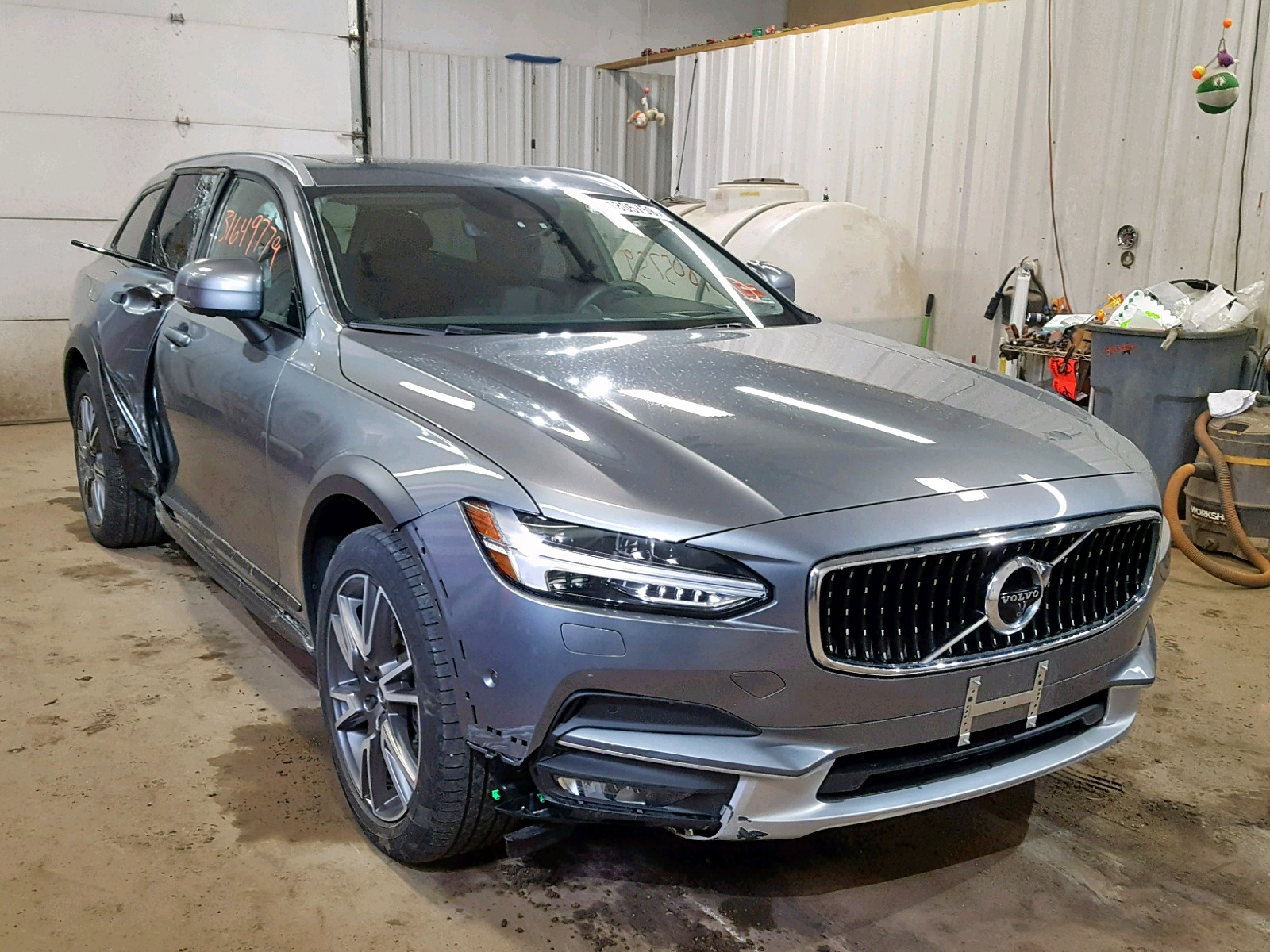 click here to view 2017 VOLVO V90 CROSS at IBIDSAFELY