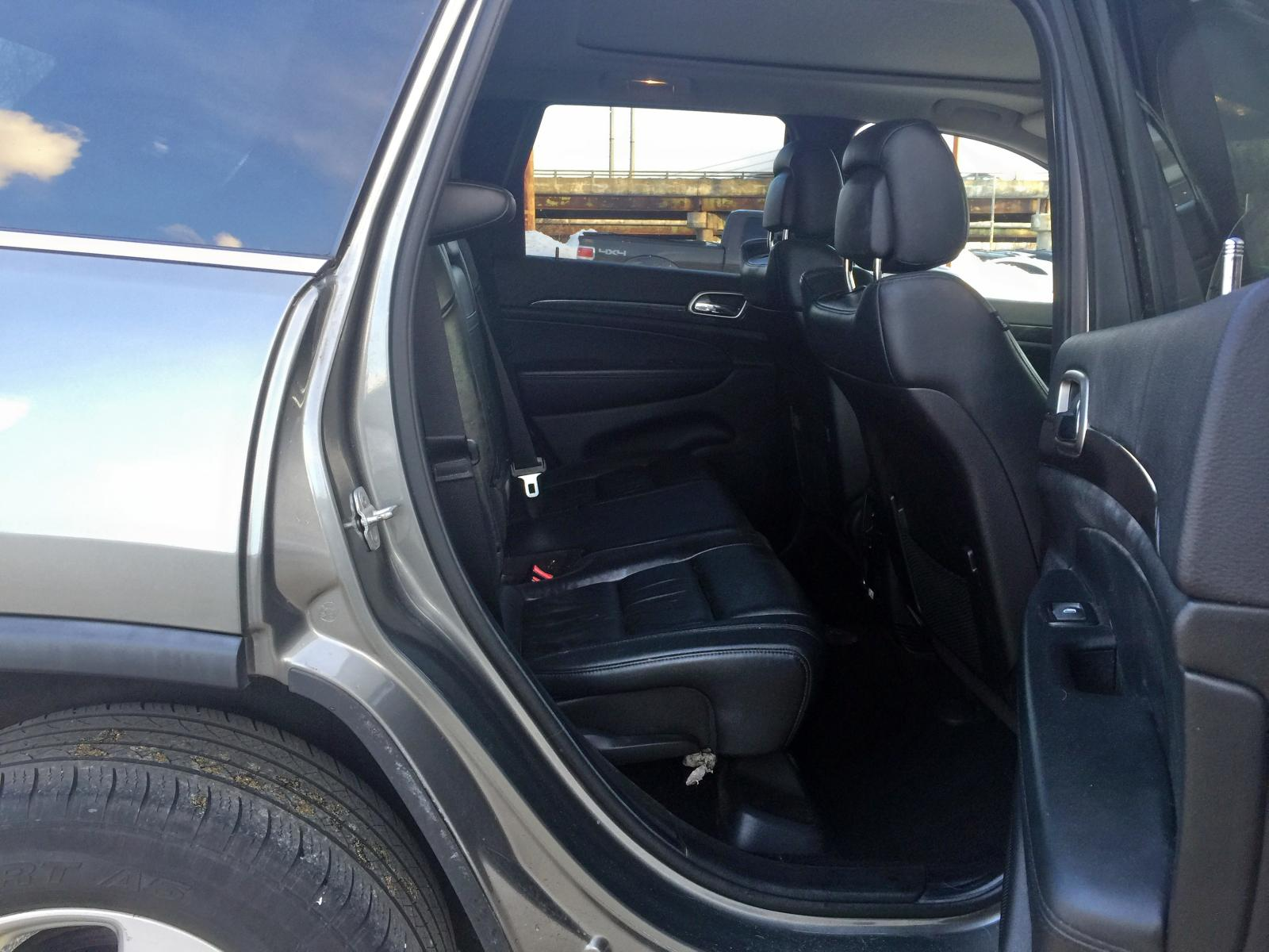 2012 Jeep Grand Cher 3.6L detail view