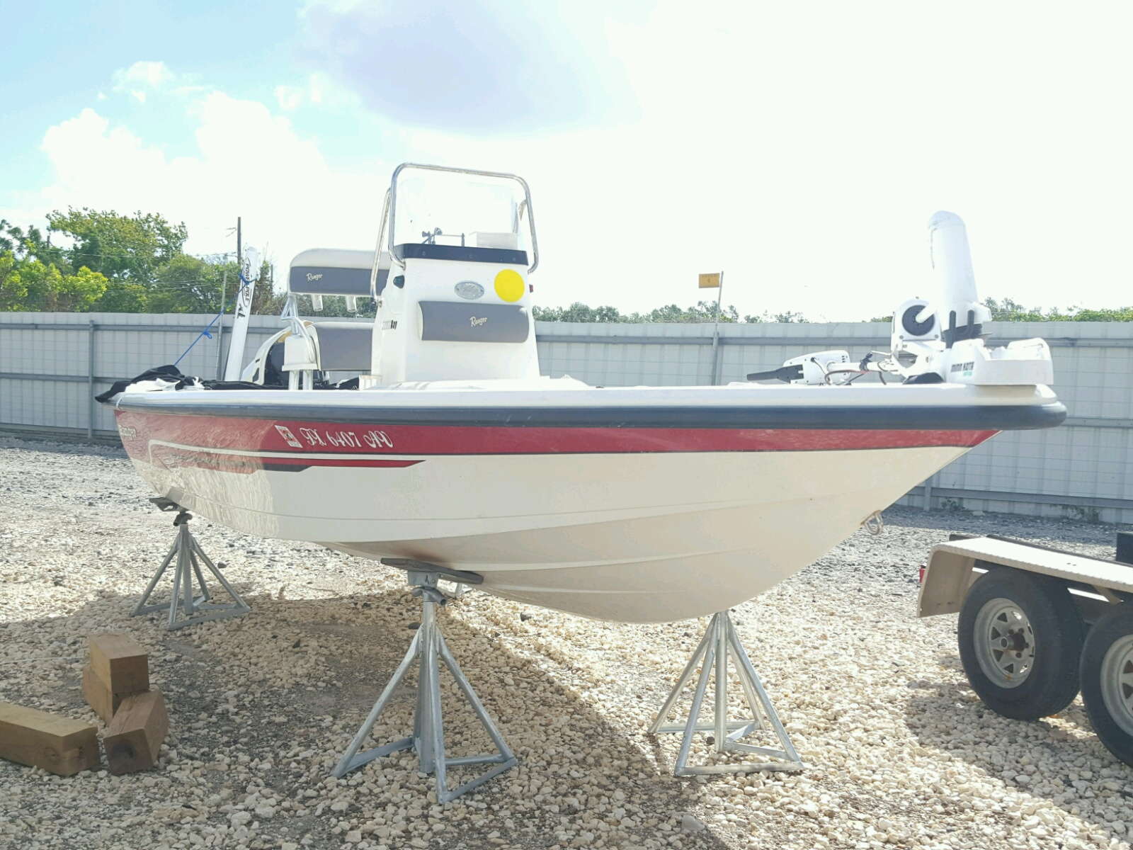 Salvage 2009 Land Rover BOAT for sale