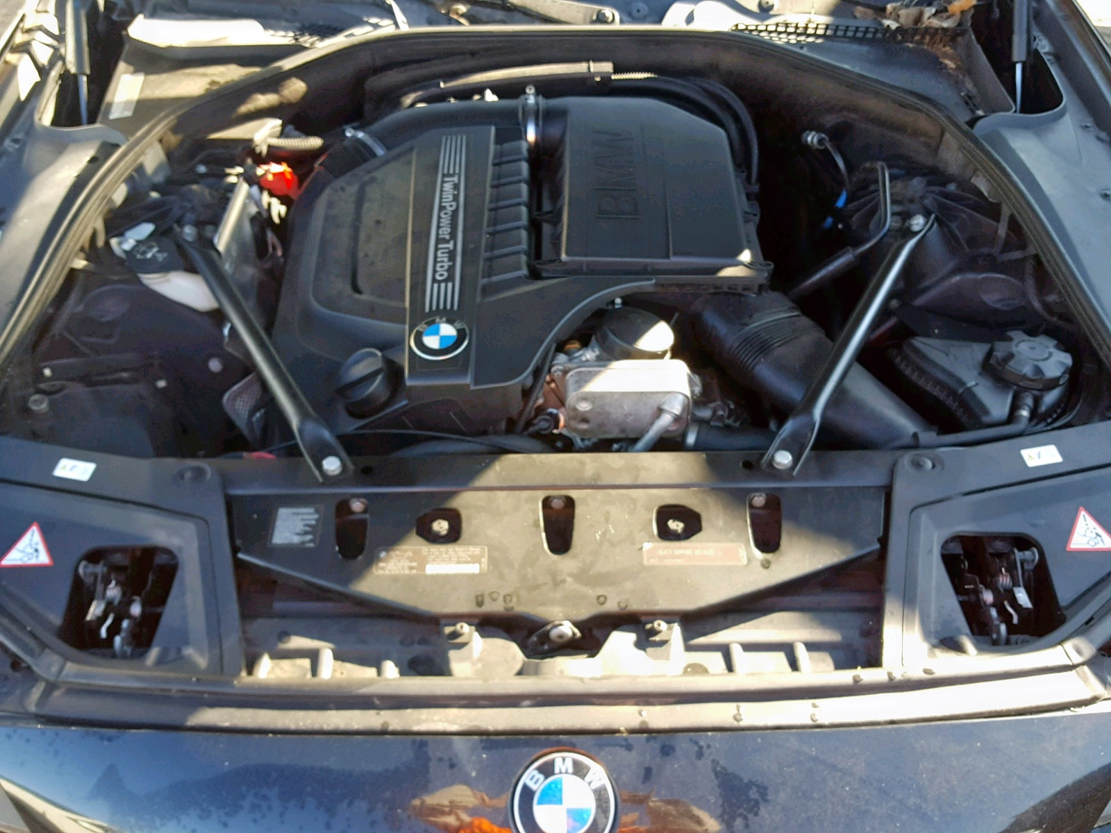 WBAFR7C51BC806279 - 2011 Bmw 535 I 3.0L inside view