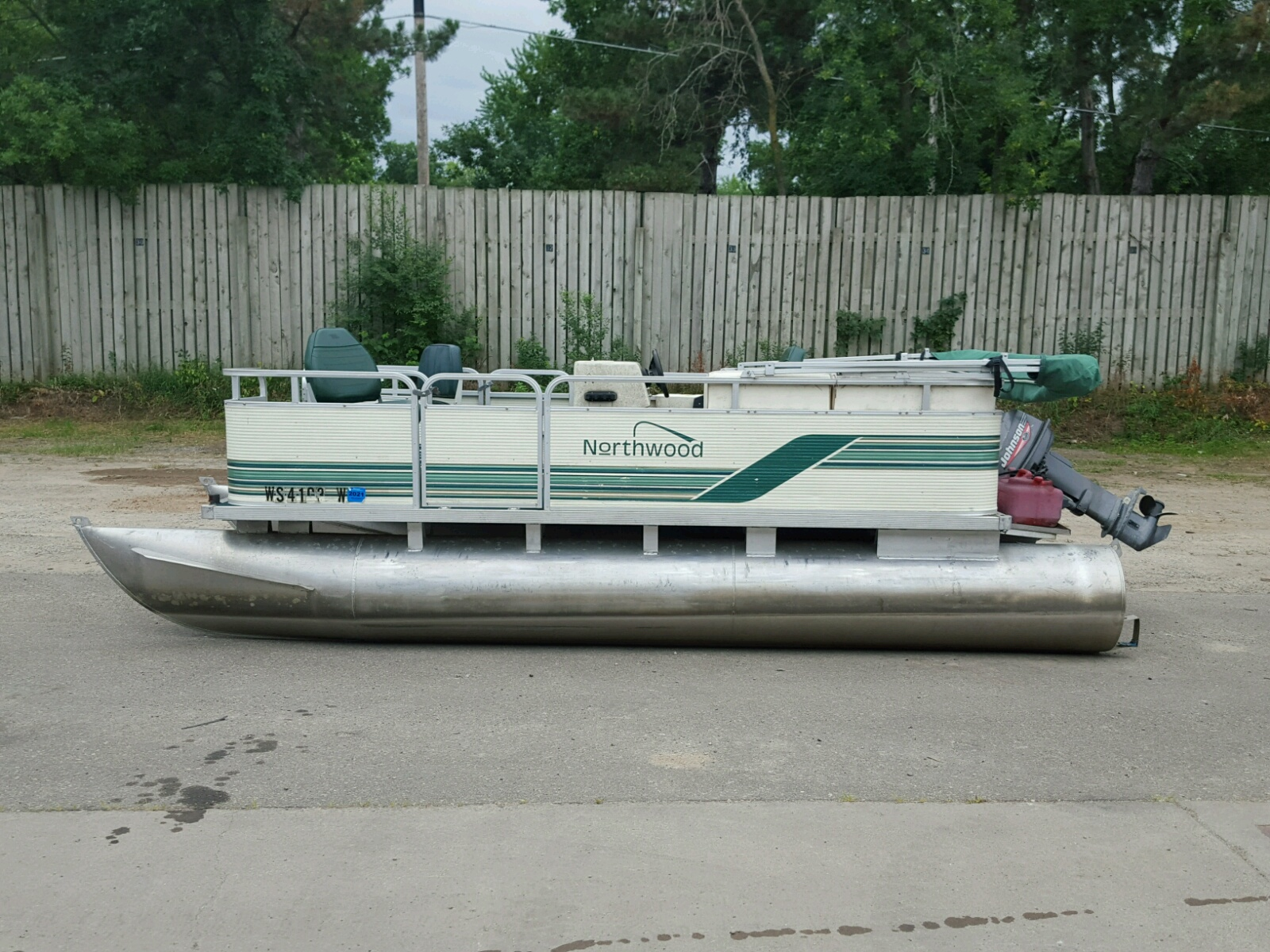 Salvage 2000 Northwood BOAT for sale