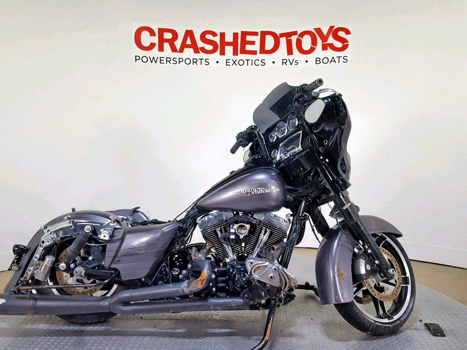 Salvage 2014 Harley-Davidson FLHXS STREET for sale