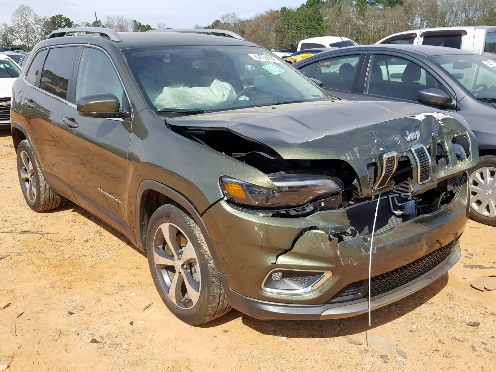Salvage 2019 Jeep CHEROKEE L for sale