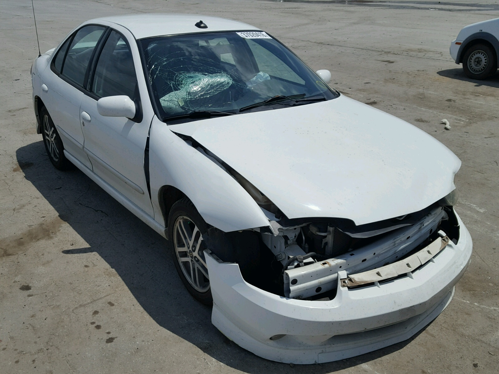 Salvage 2005 Chevrolet CAVALIER L for sale