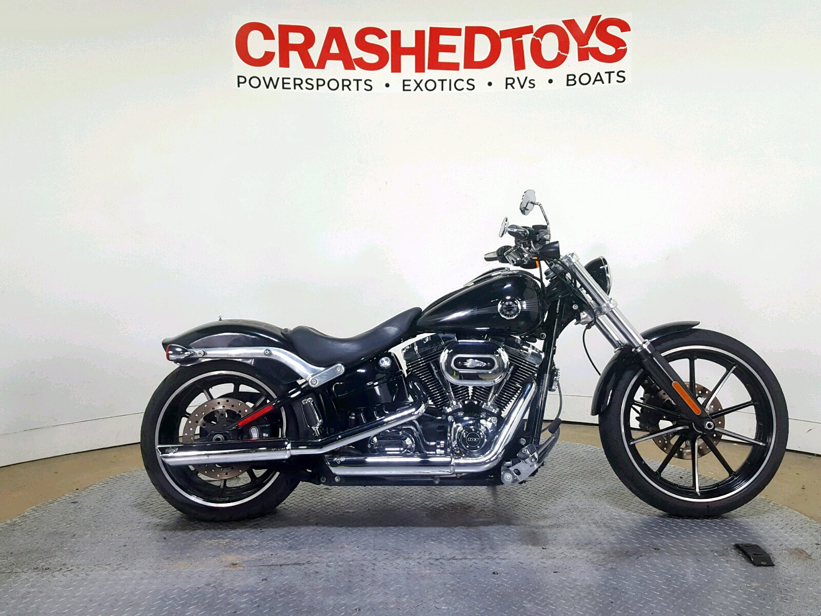 Salvage 2013 Harley-Davidson FXSB BREAK for sale