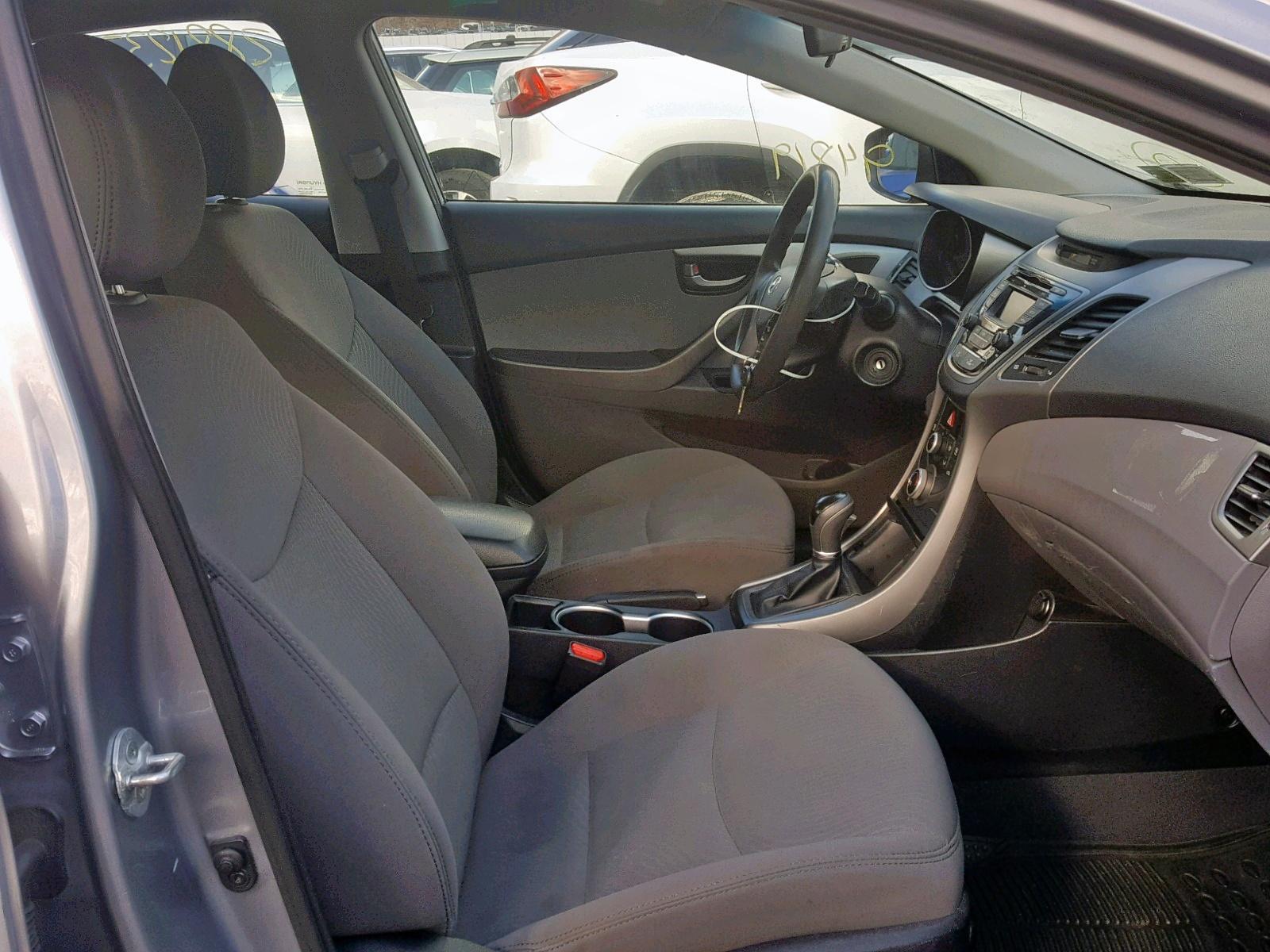 2015 Hyundai Elantra Se 1.8L close up View
