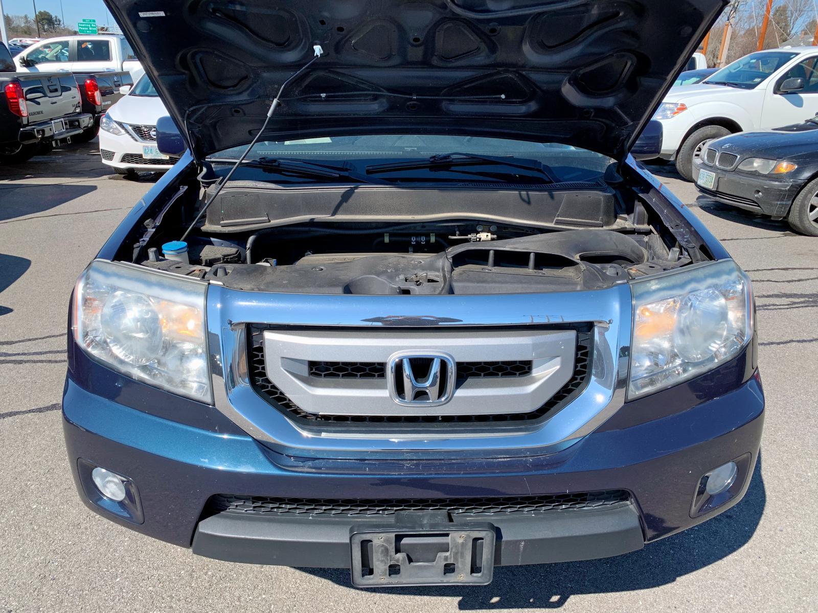 2011 Honda Pilot Exln 3.5L inside view