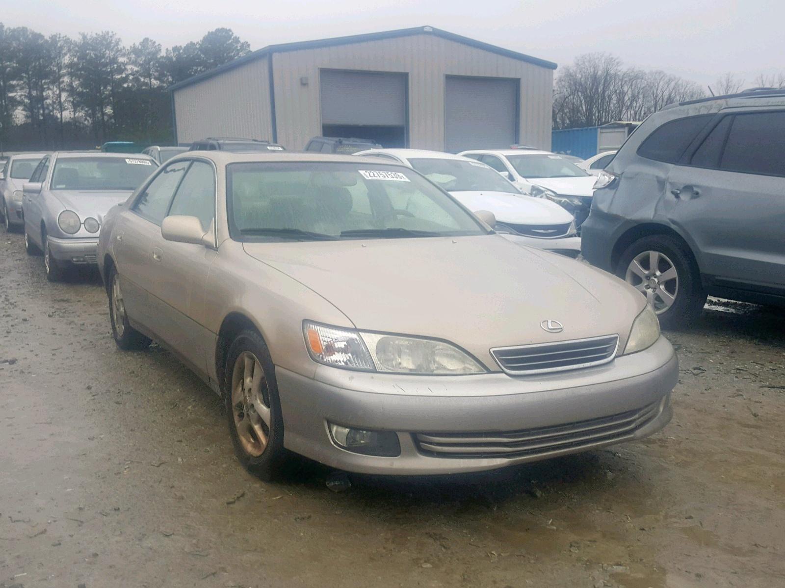 Salvage 2001 Lexus ES 300 for sale