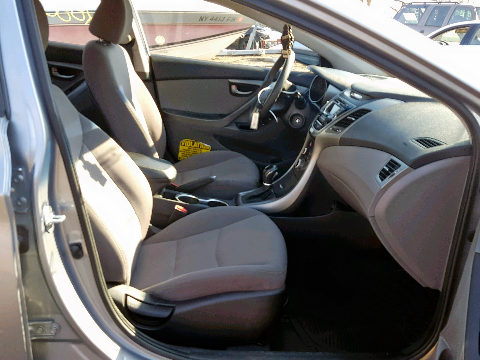 2016 Hyundai Elantra Se 1.8L close up View