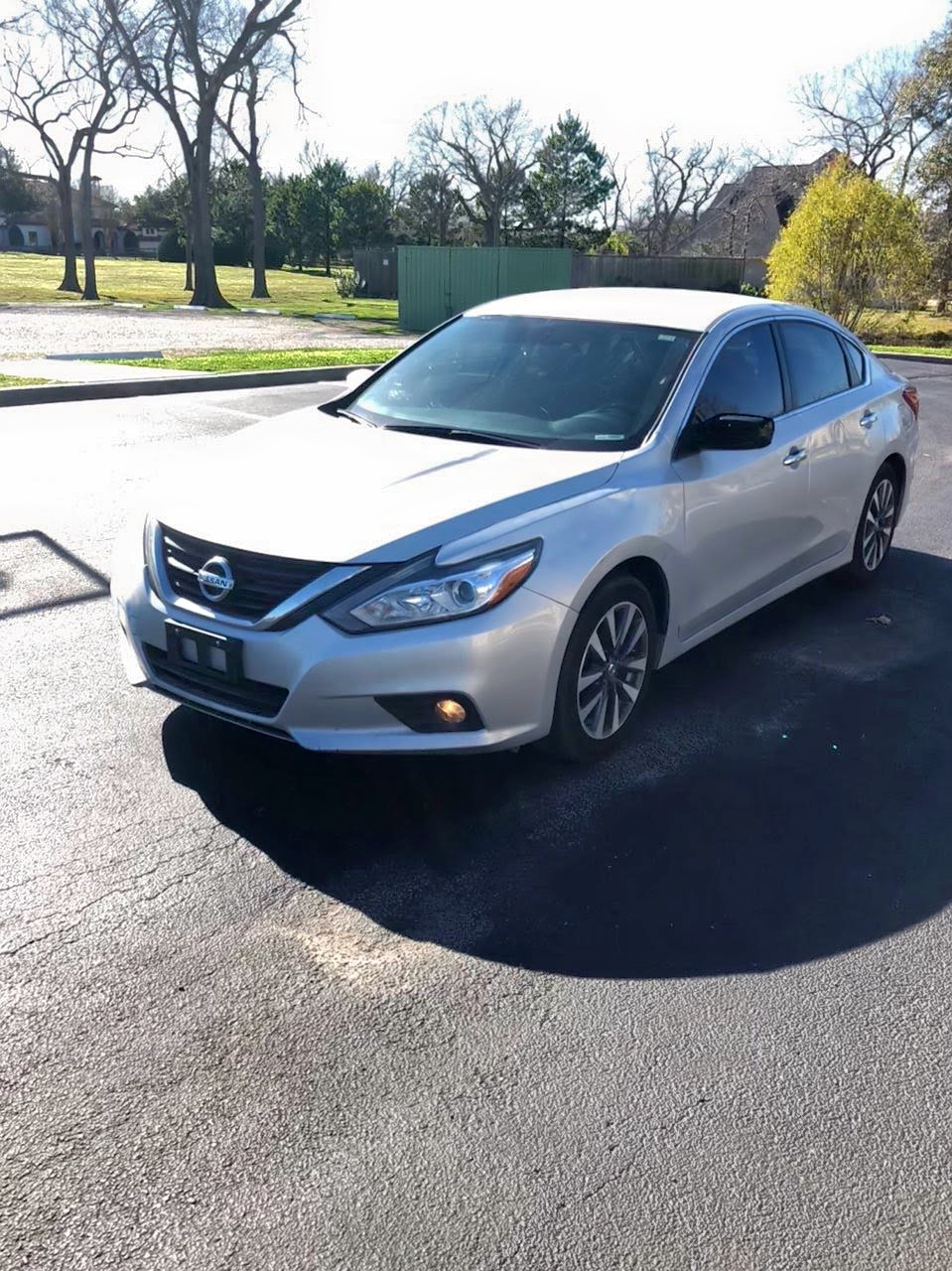 2016 Nissan Altima 2.5 2.5L Right View