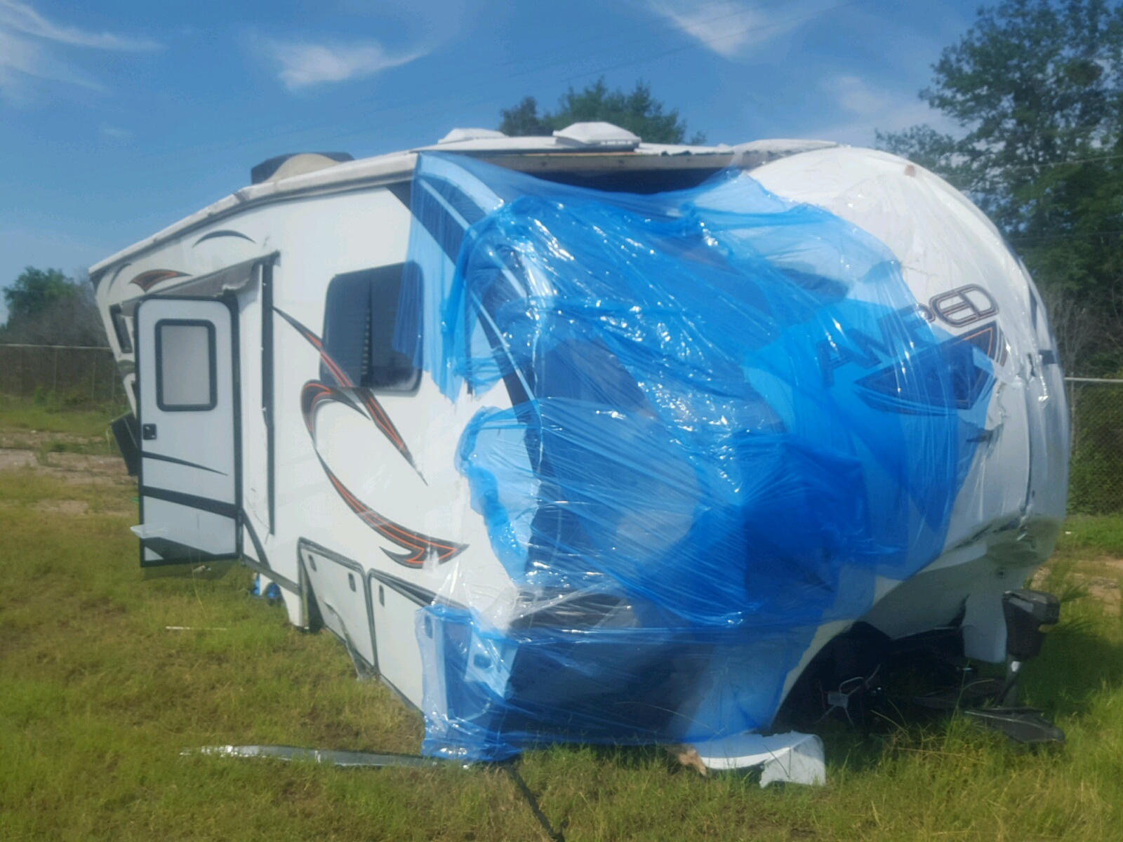 Salvage 2015 EVY TRAILER for sale