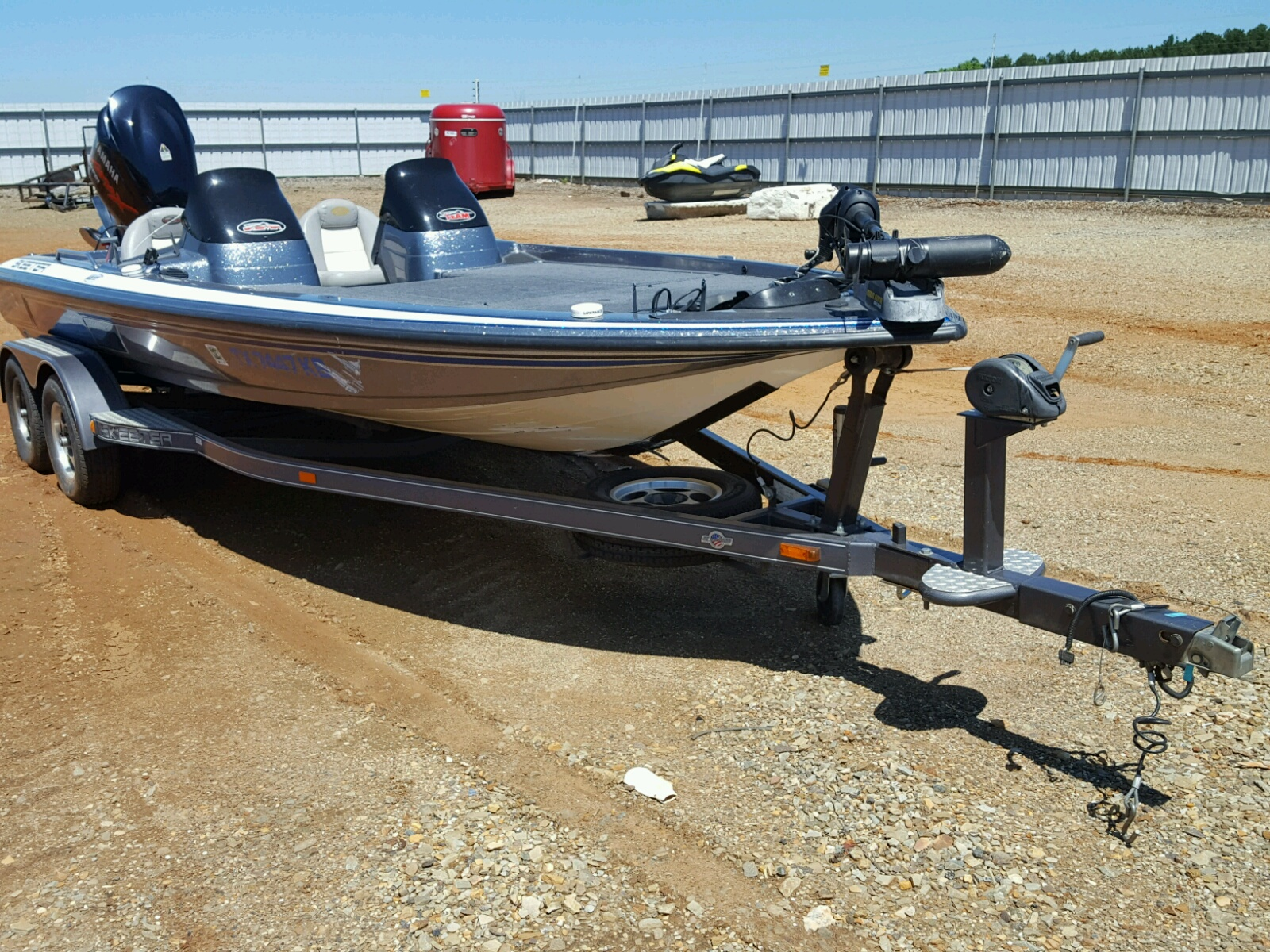 Salvage 2003 Skeeter ZX225 for sale