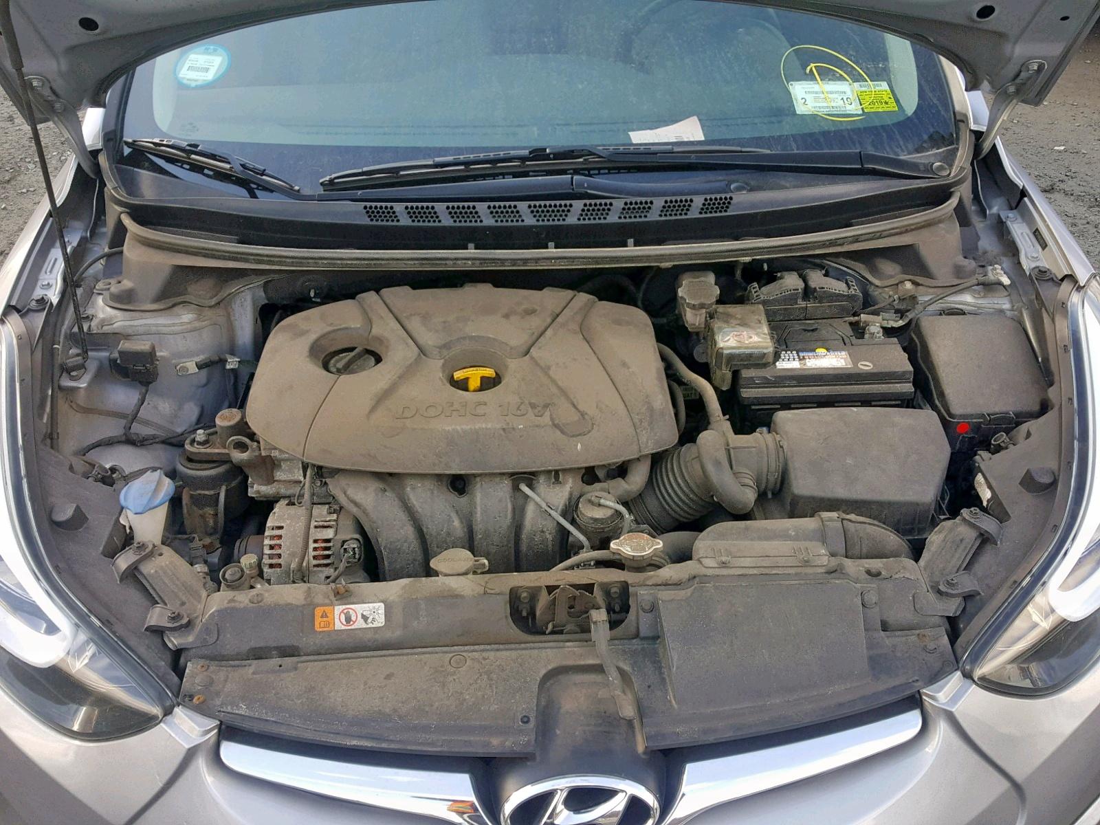 2015 Hyundai Elantra Se 1.8L inside view