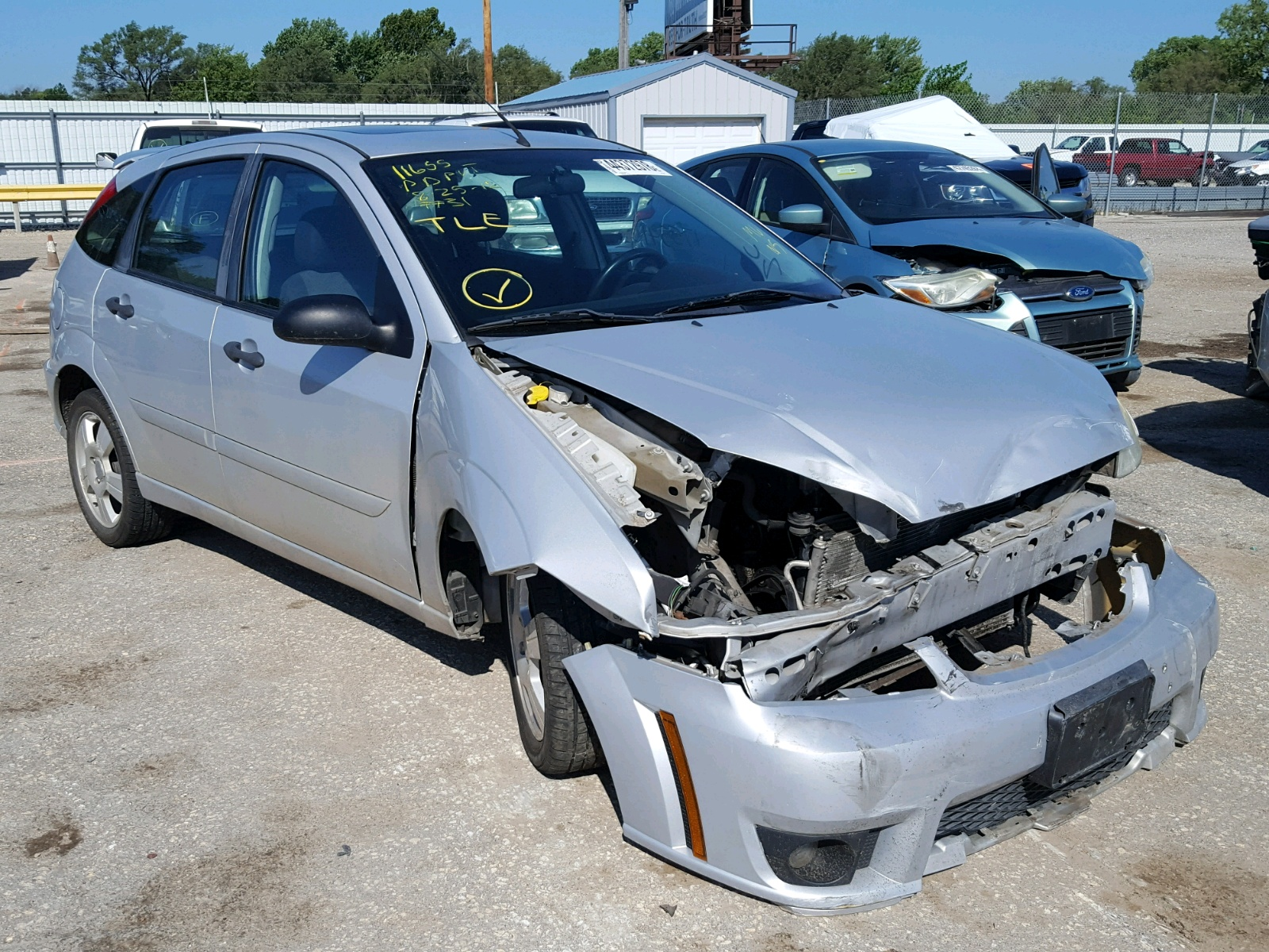 Salvage 2007 Ford FOCUS ZX5 for sale