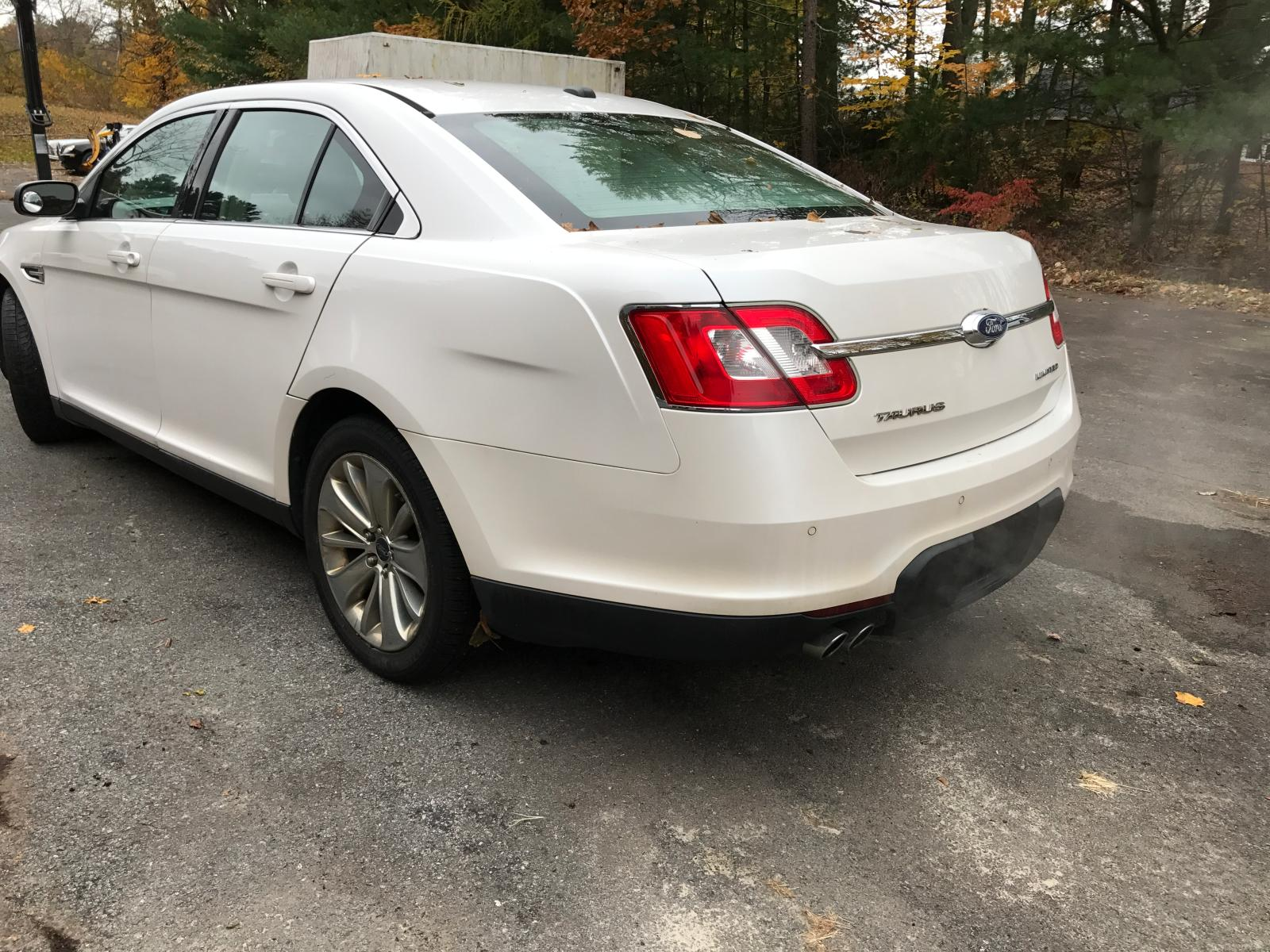 2011 Ford Taurus Lim 3.5L rear view