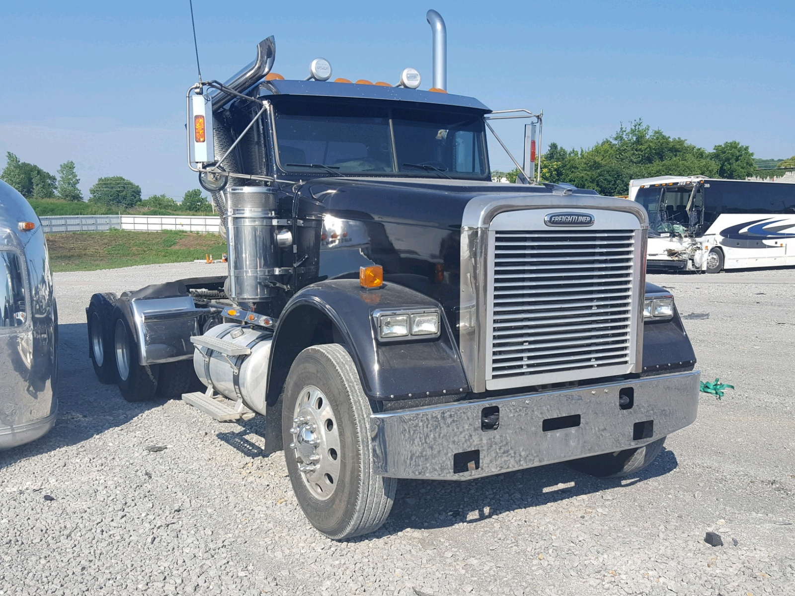 Salvage 2007 Freightliner CONVENTION for sale