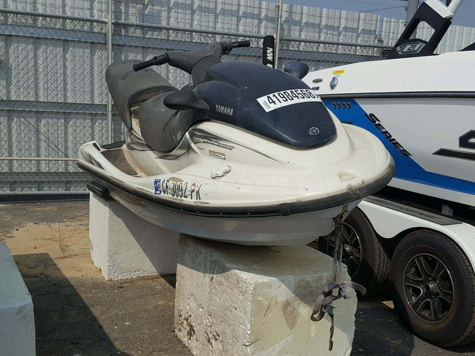 Salvage 2000 Yamaha BOAT1200 for sale