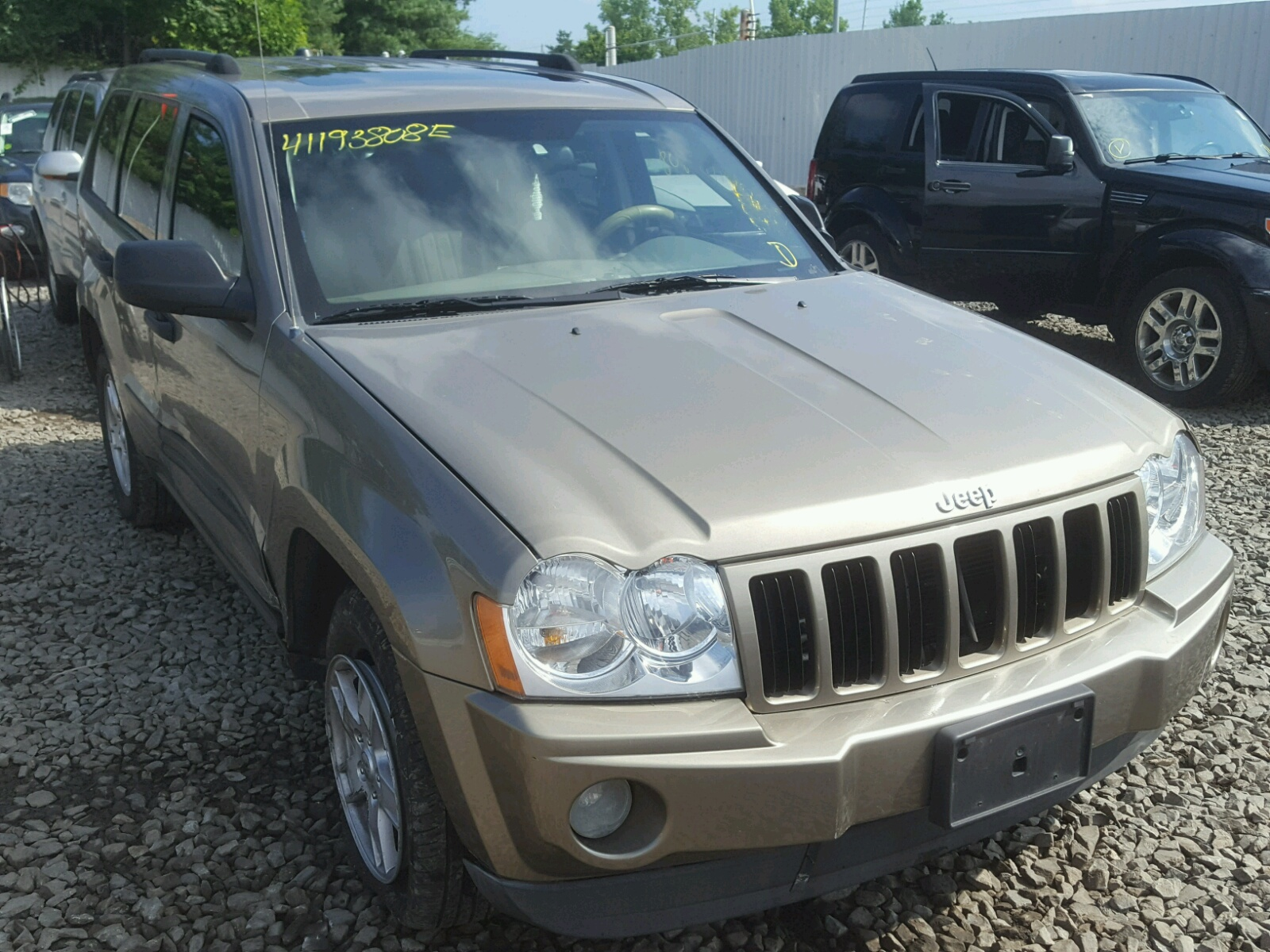 1j8gr48k25c596115 2005 Tan Jeep Grand Cher On Sale In Ct Cherokee 37l Left View
