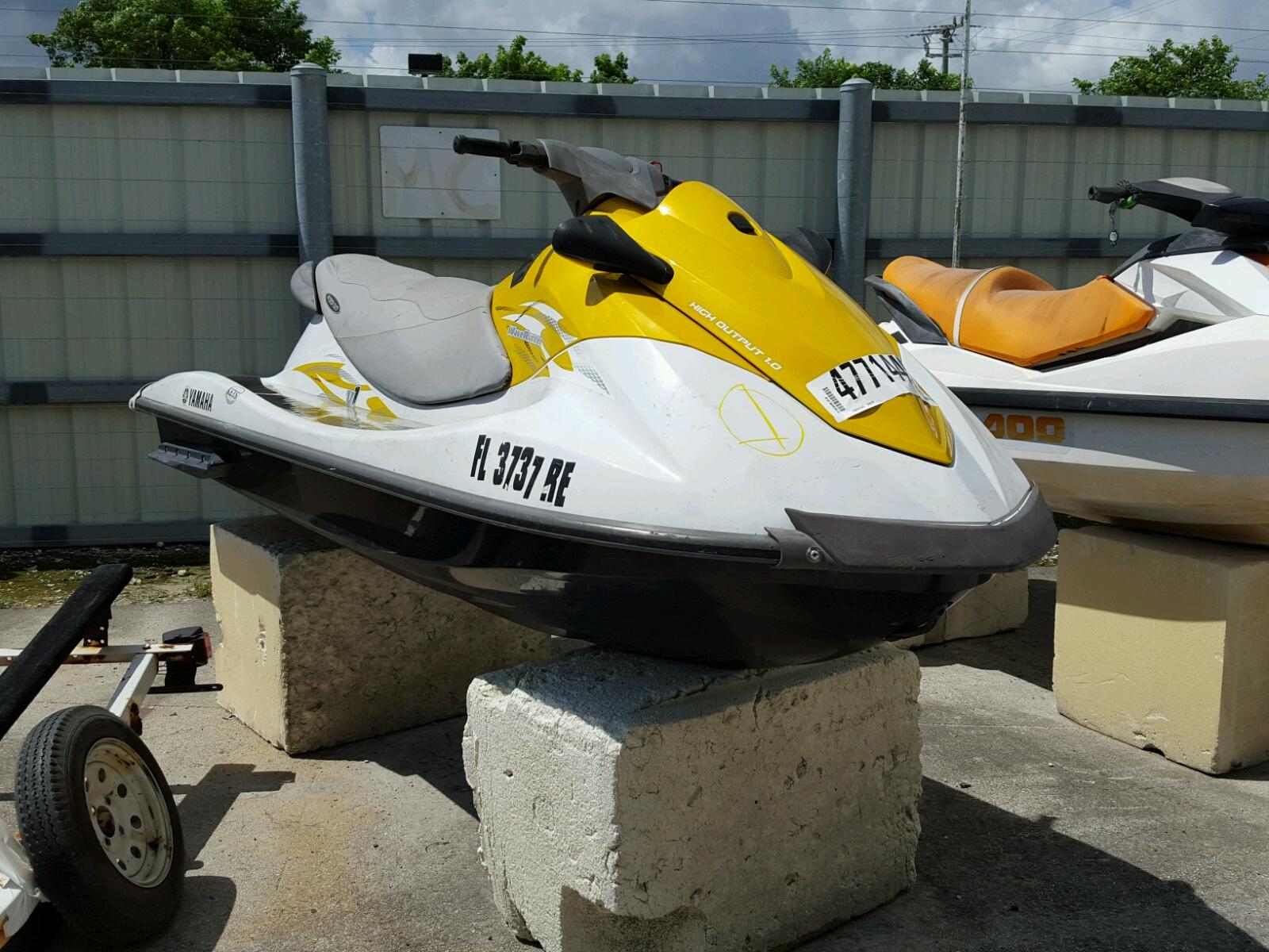 Salvage 2016 Yamaha V1 H.O for sale