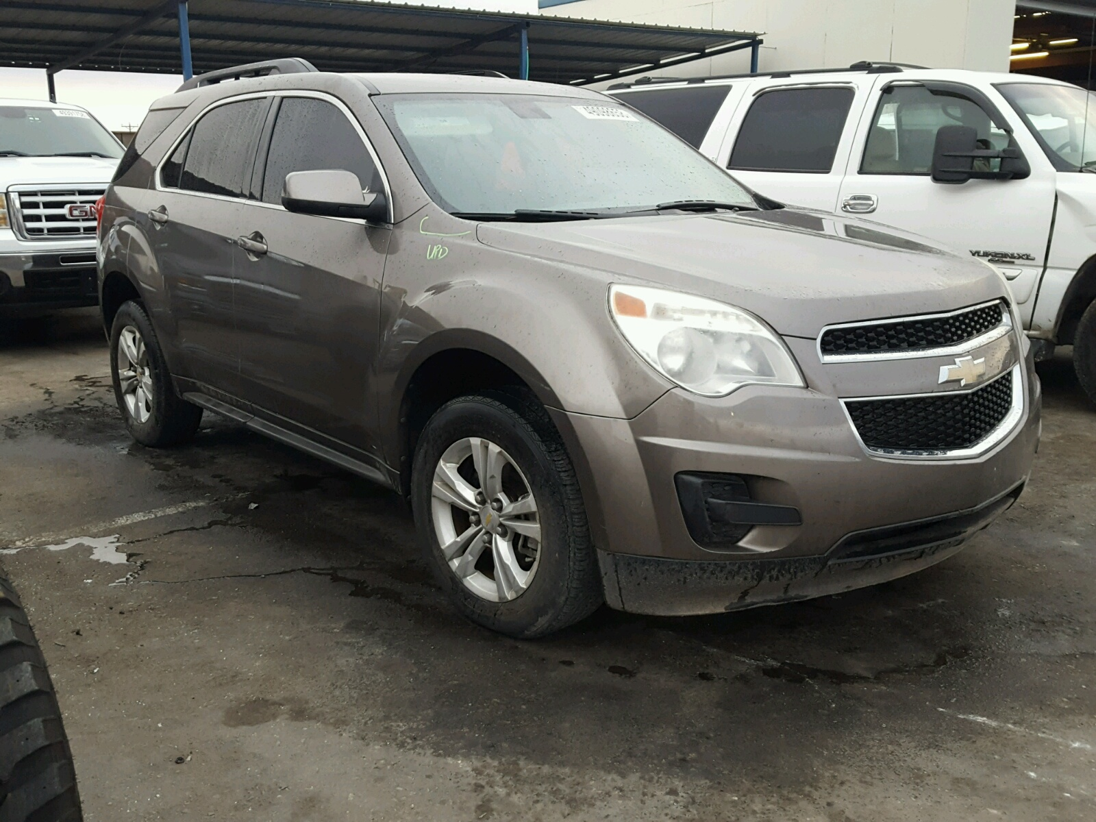 Salvage 2010 Chevrolet EQUINOX LT for sale