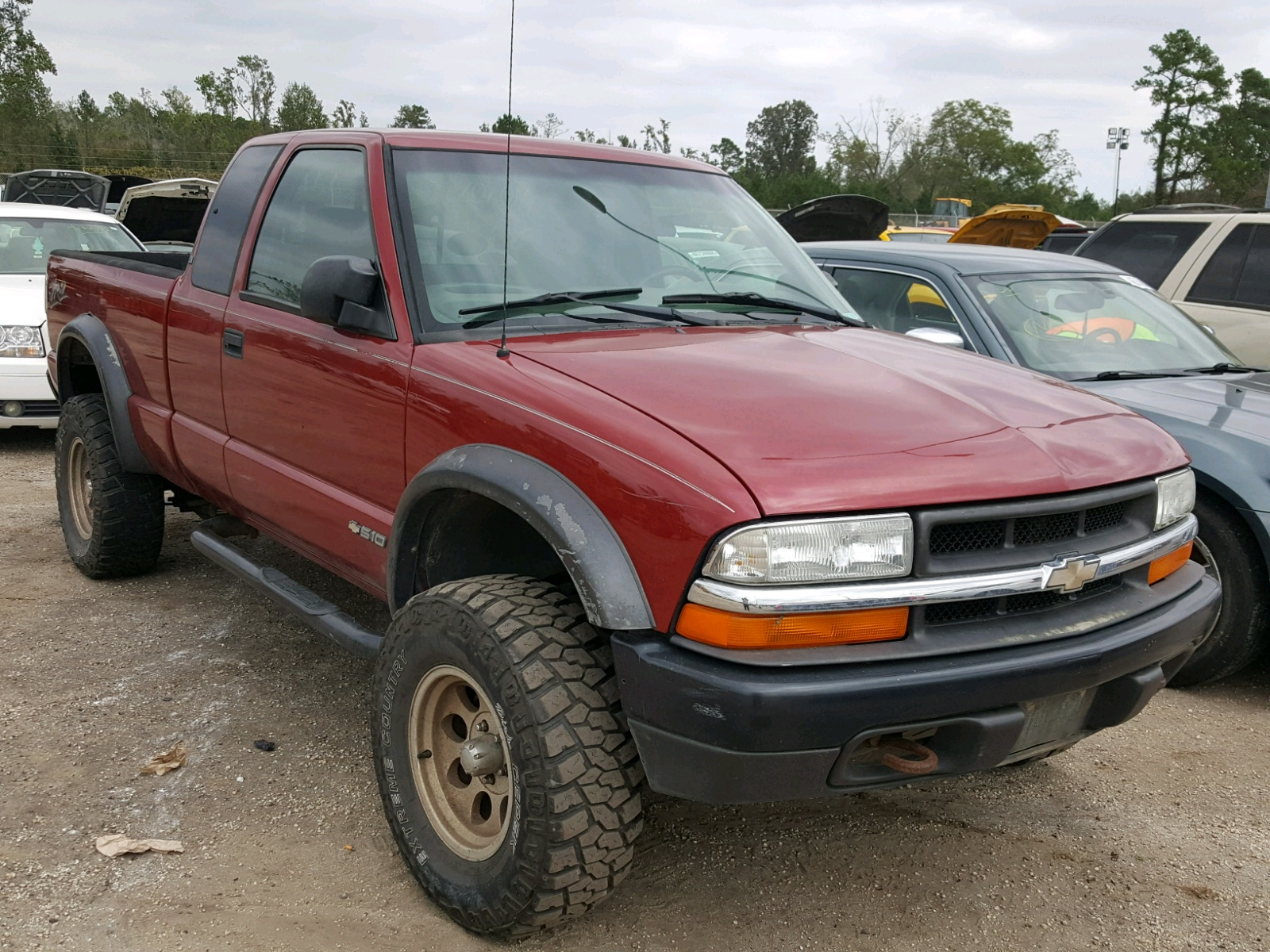 Salvage 2002 Chevrolet S TRUCK S1 for sale