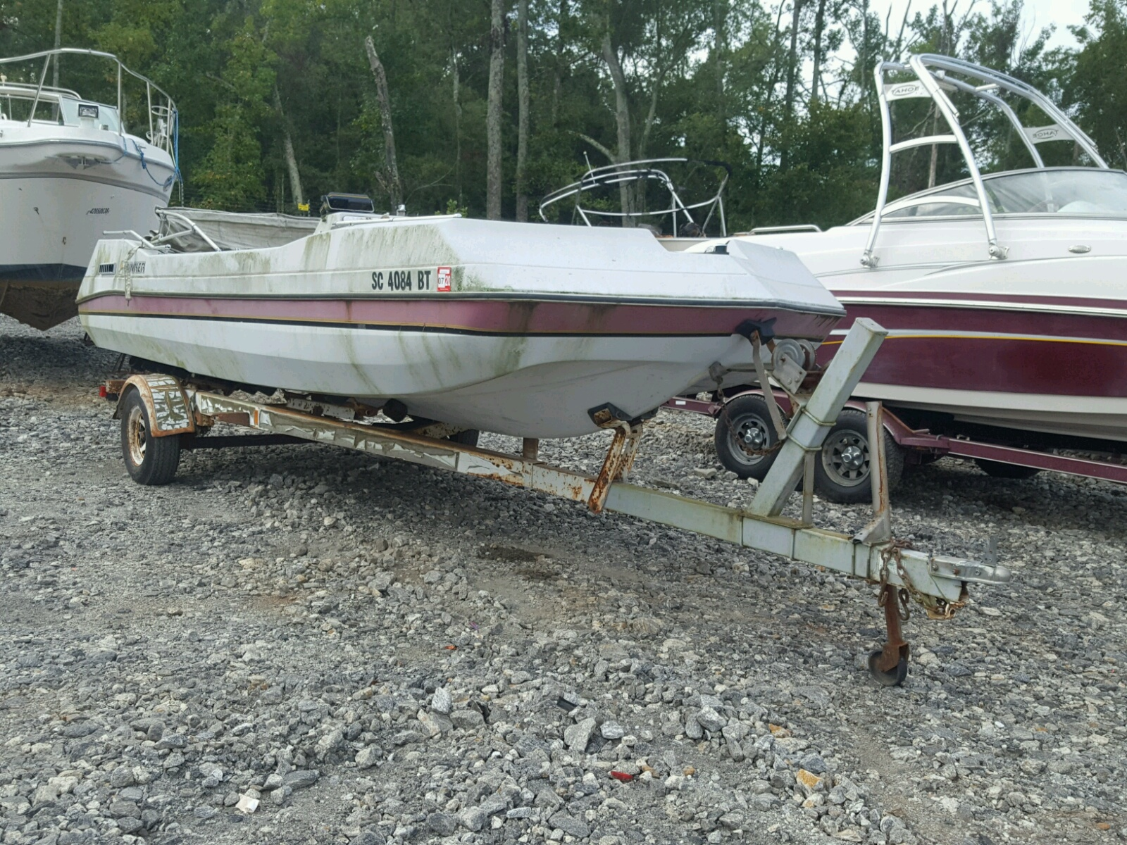 Salvage 1985 Rinker BOAT for sale