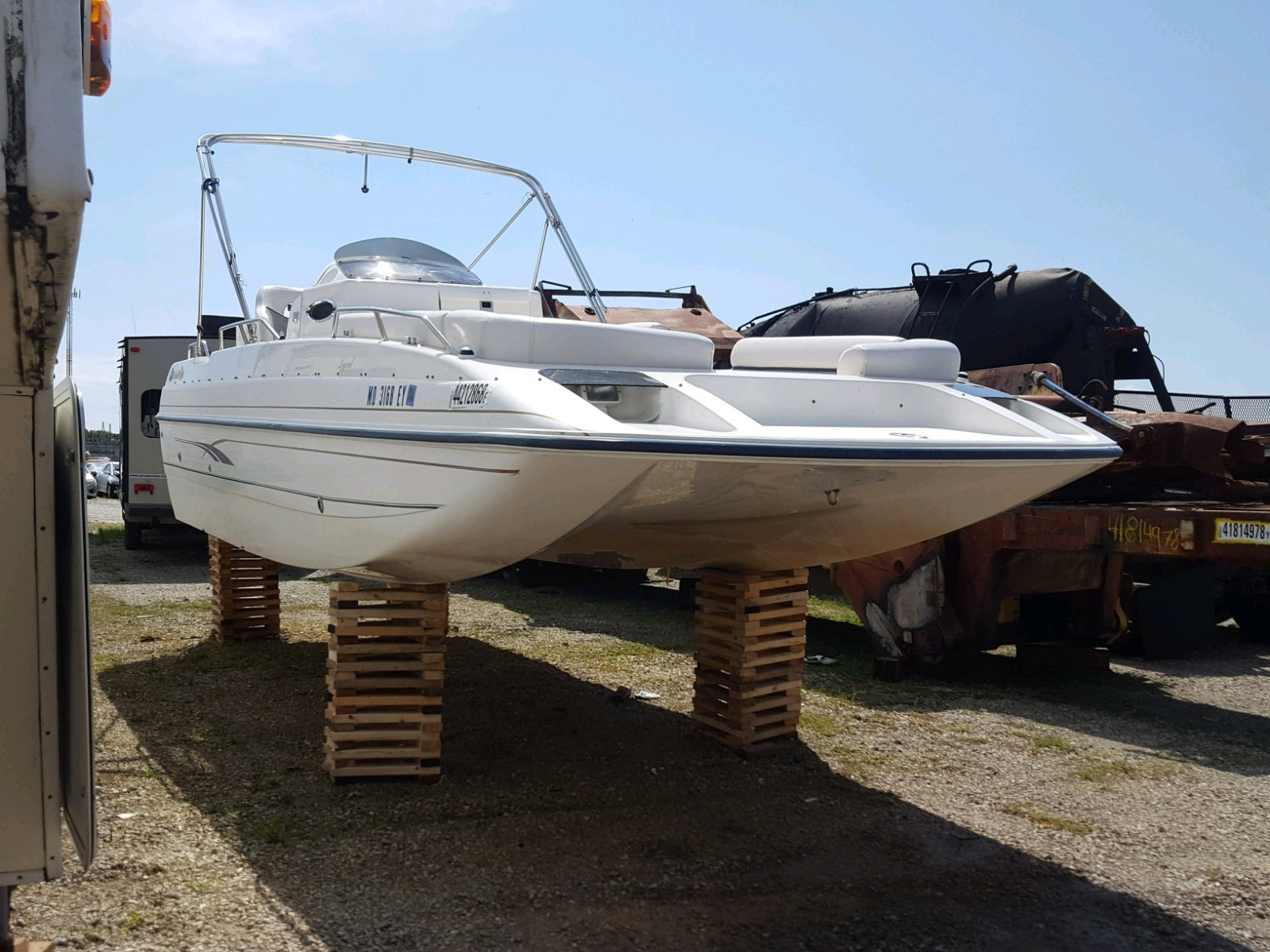 Salvage 2000 Harr DECKBOAT for sale