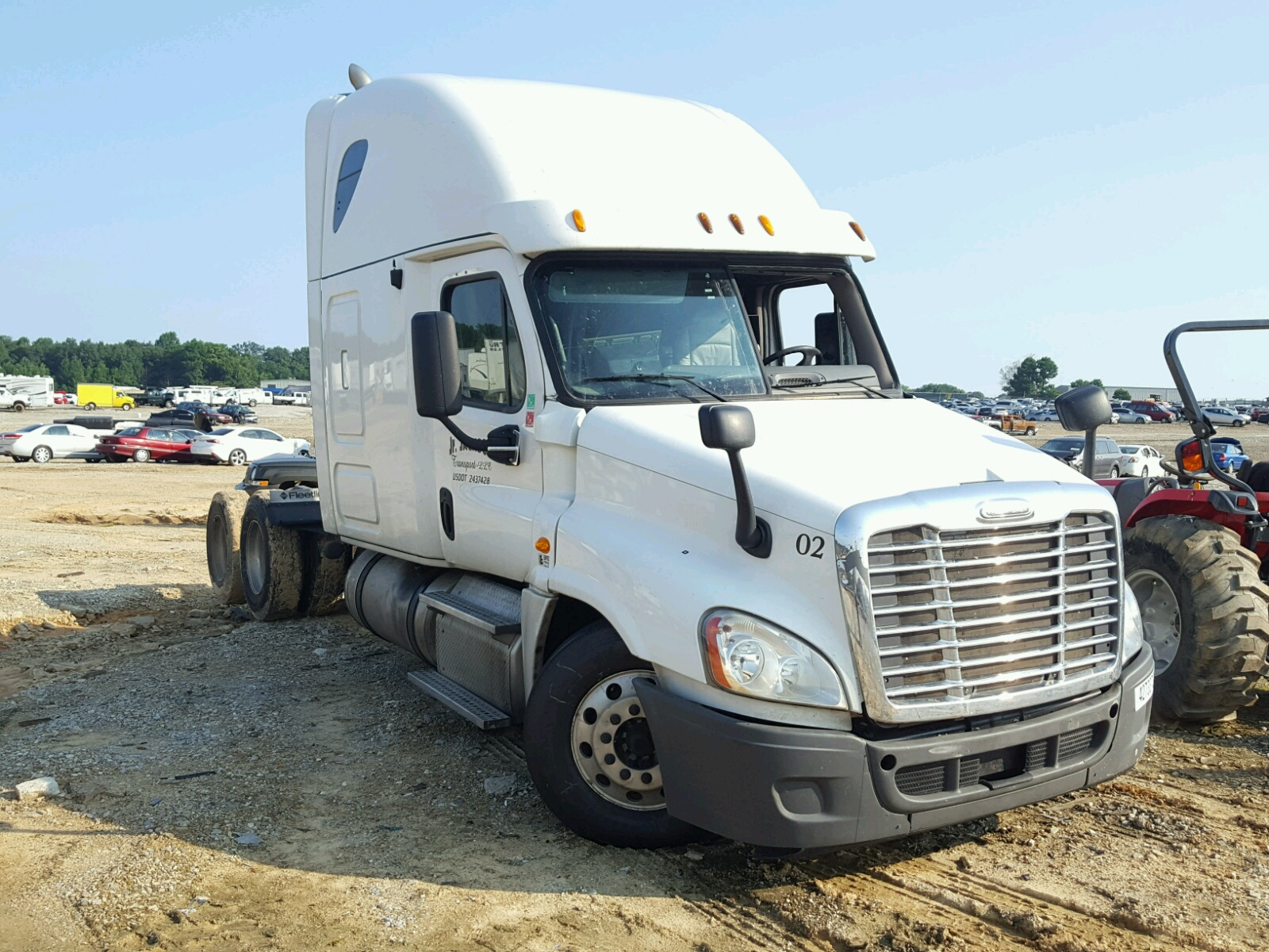 Salvage 2013 Freightliner CASCADIA 1 for sale