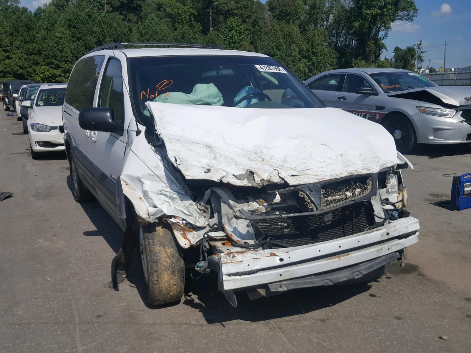 Salvage 2002 Pontiac MONTANA for sale