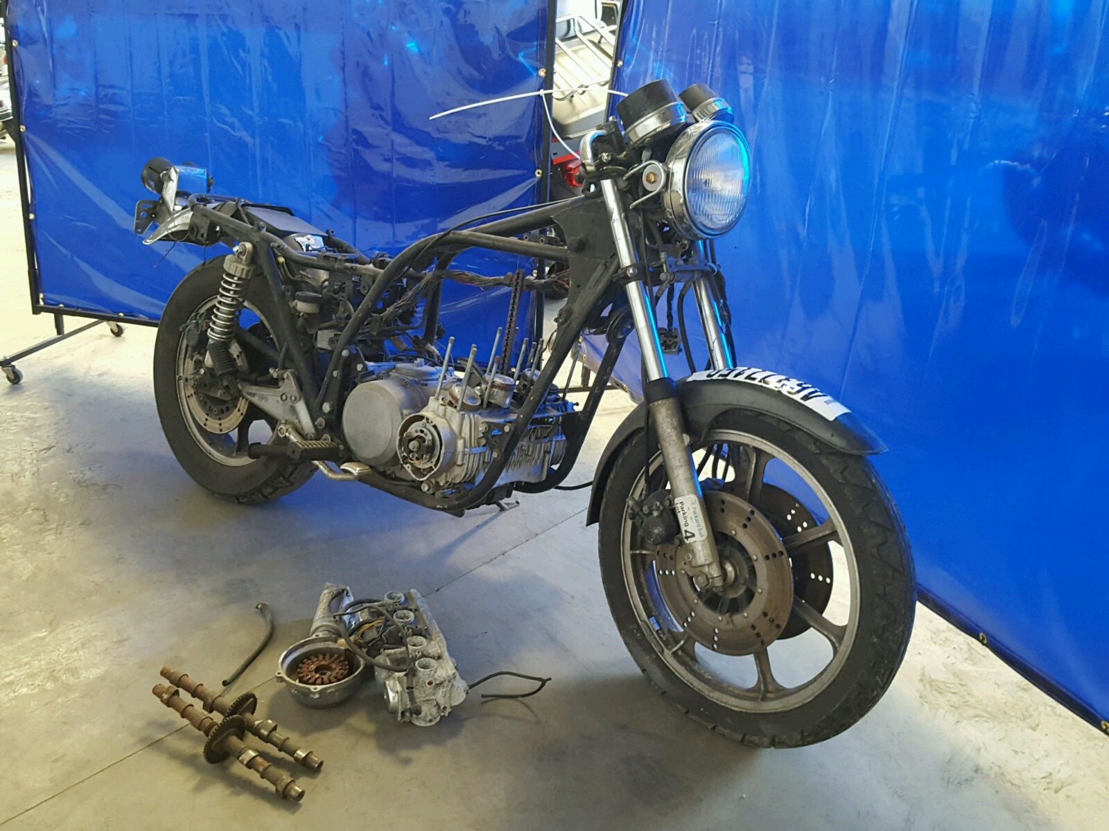 Salvage 1981 Kawasaki KZ750 H for sale