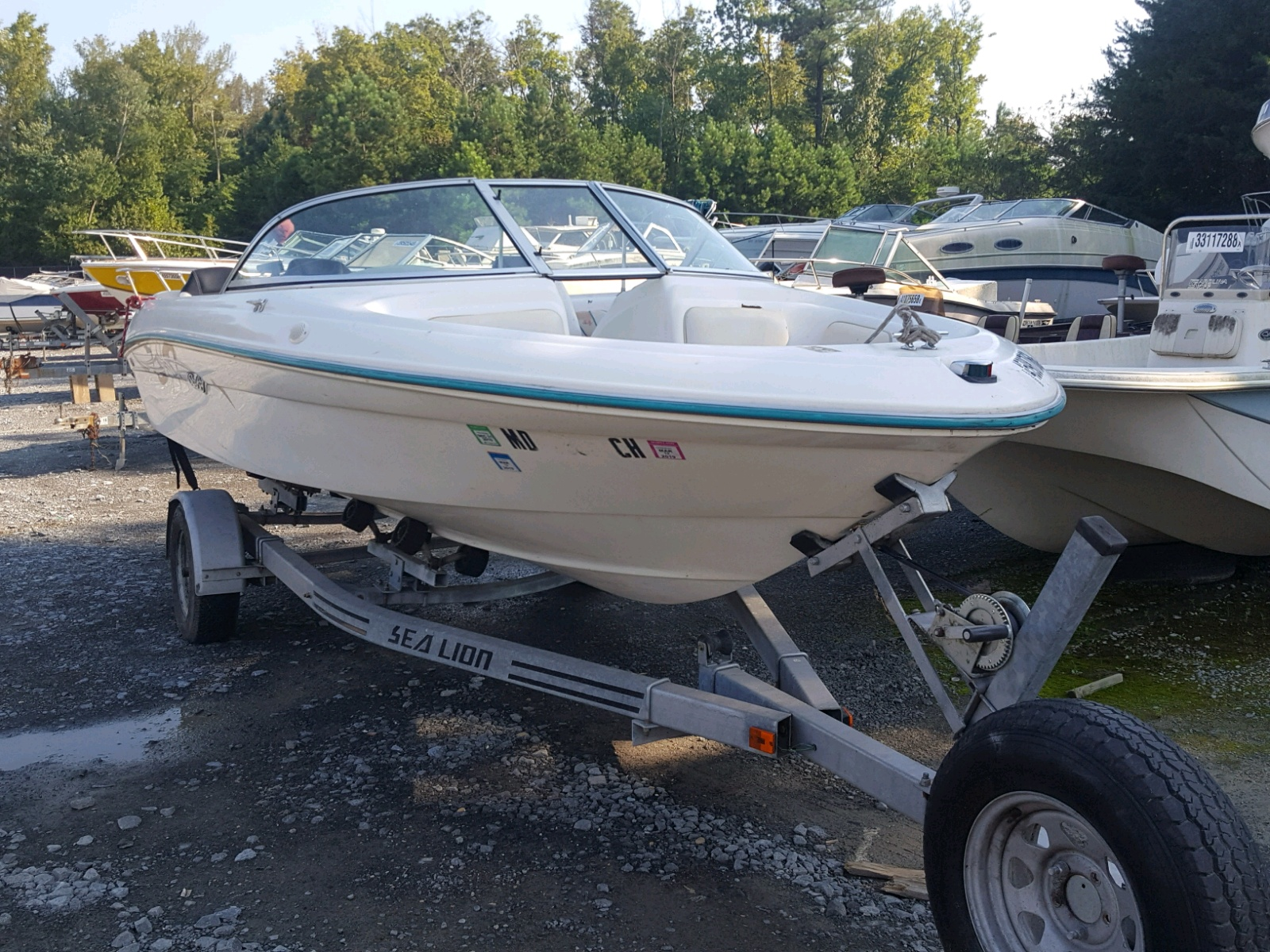 Salvage 1996 Sea Ray BOAT for sale