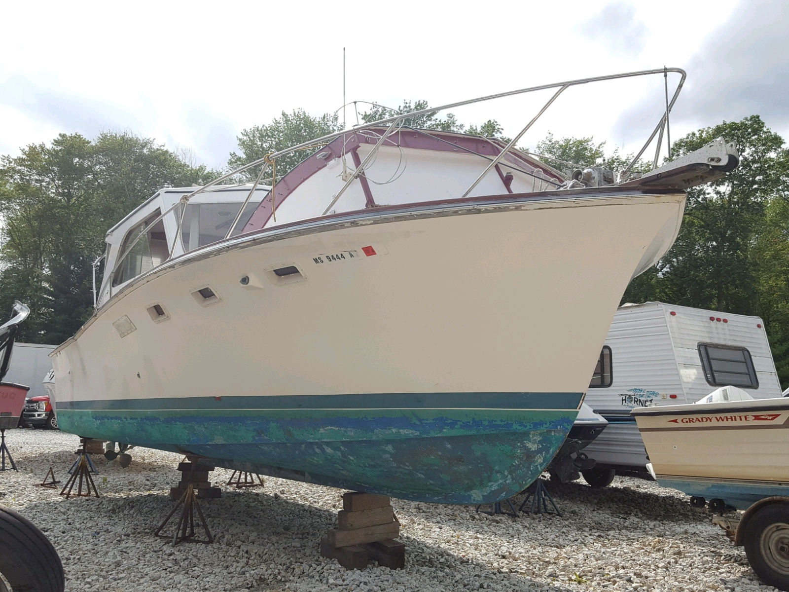 Salvage 1973 Eggh BOAT for sale