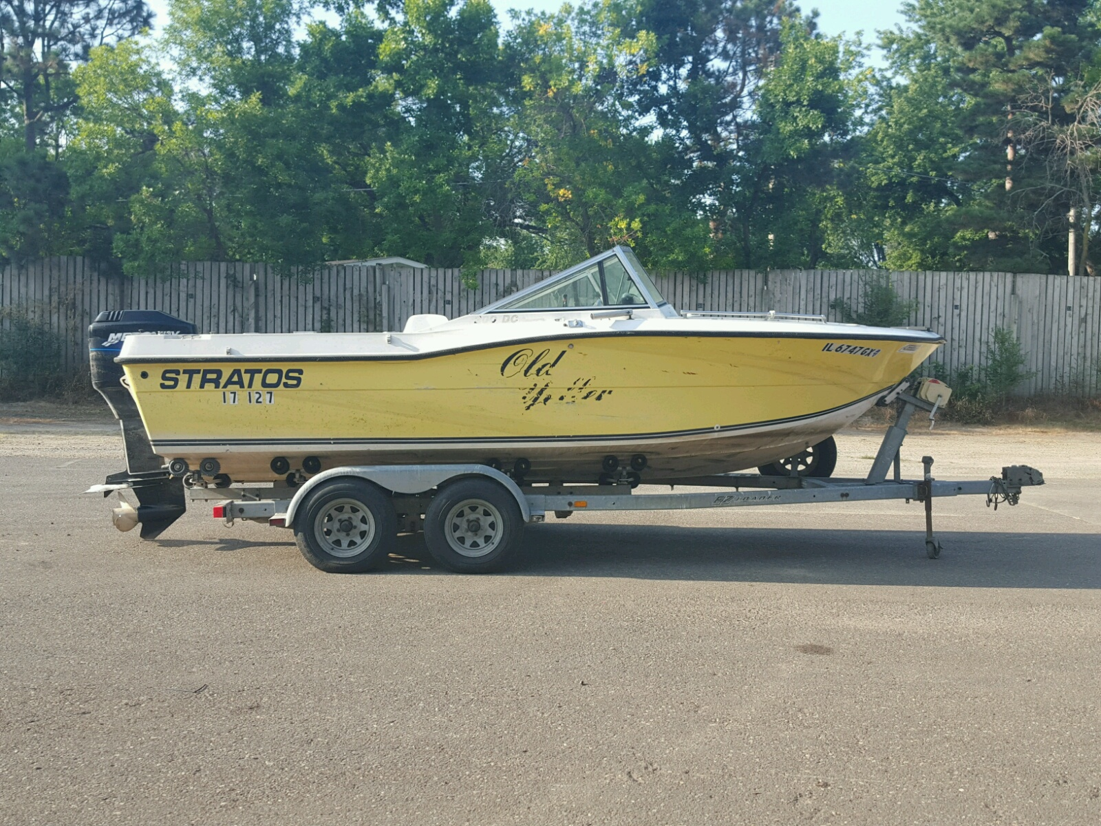 Salvage 1988 Stratos BOAT for sale