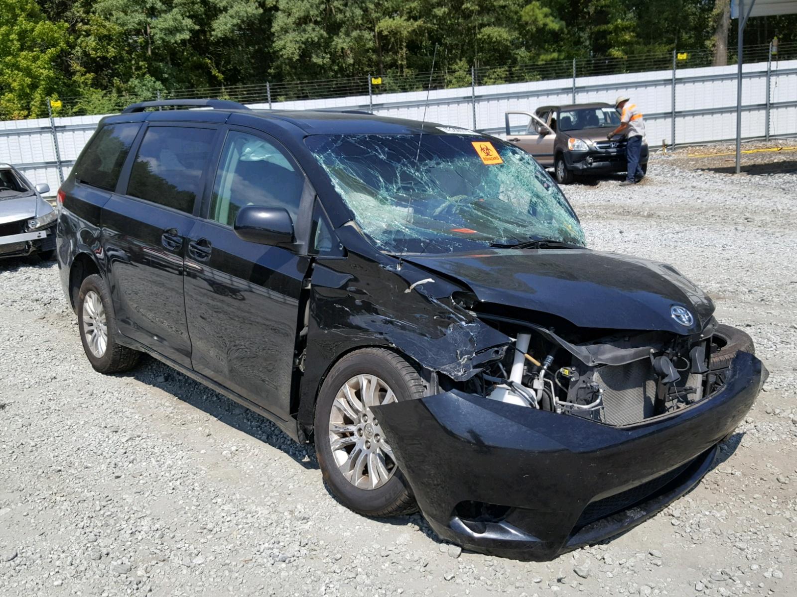 Salvage 2011 Toyota SIENNA XLE for sale
