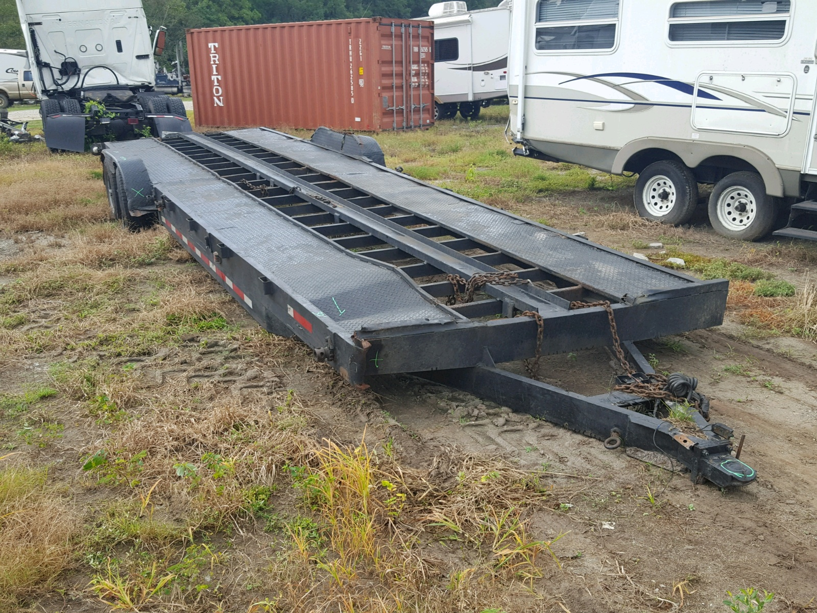 Salvage 2004 Trailers TRAILER for sale