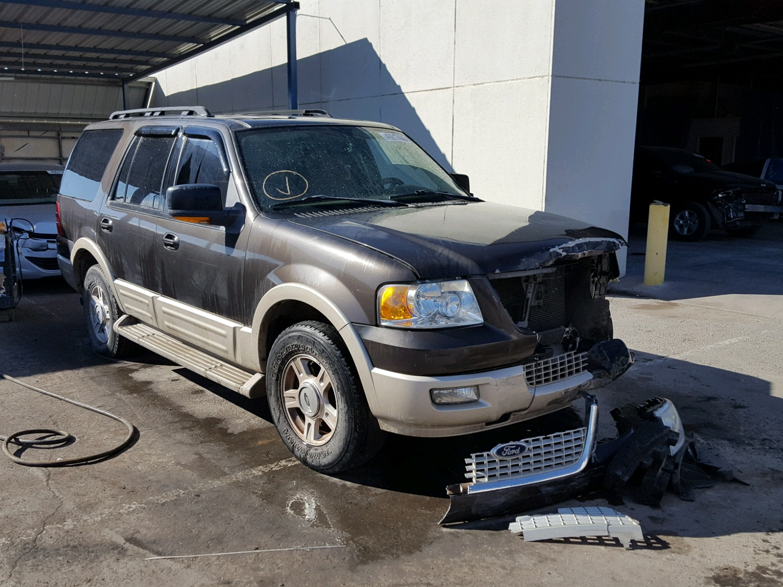 Salvage 2006 Ford EXPEDITION for sale