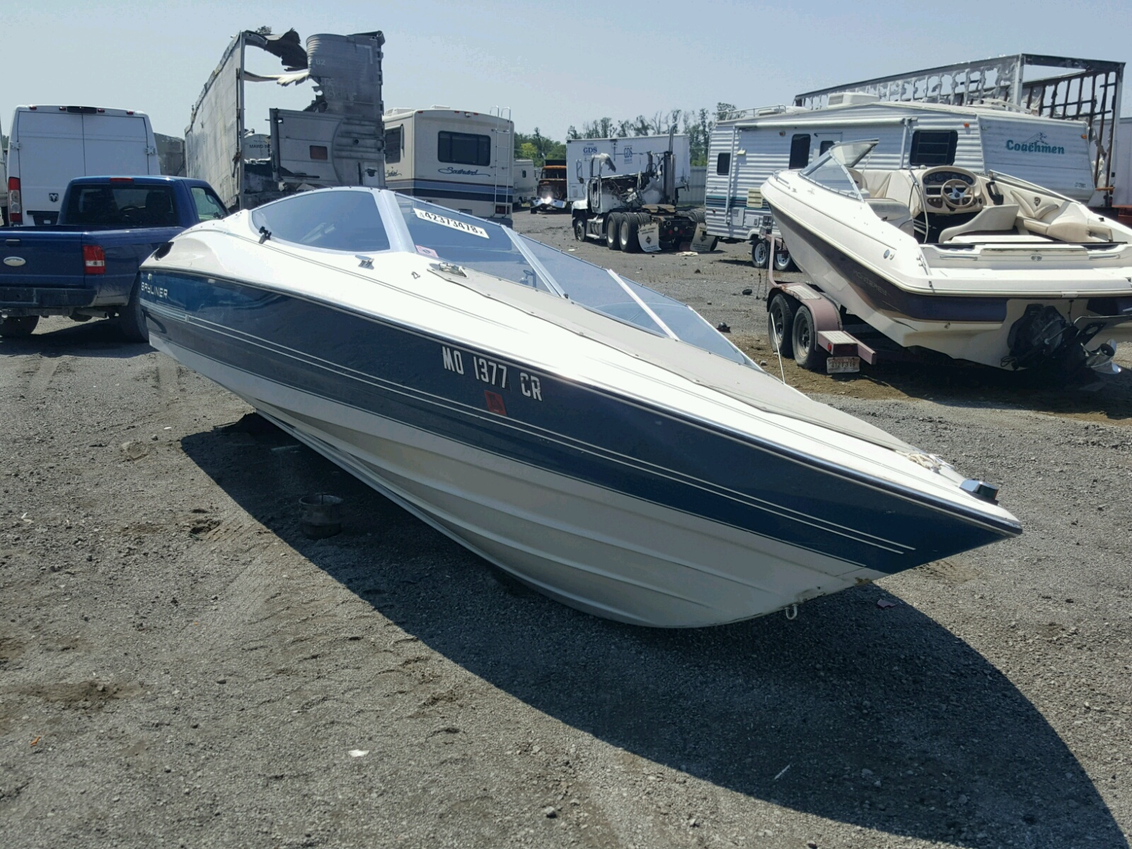 Salvage 1991 Cabin Trailer MARINE LOT for sale