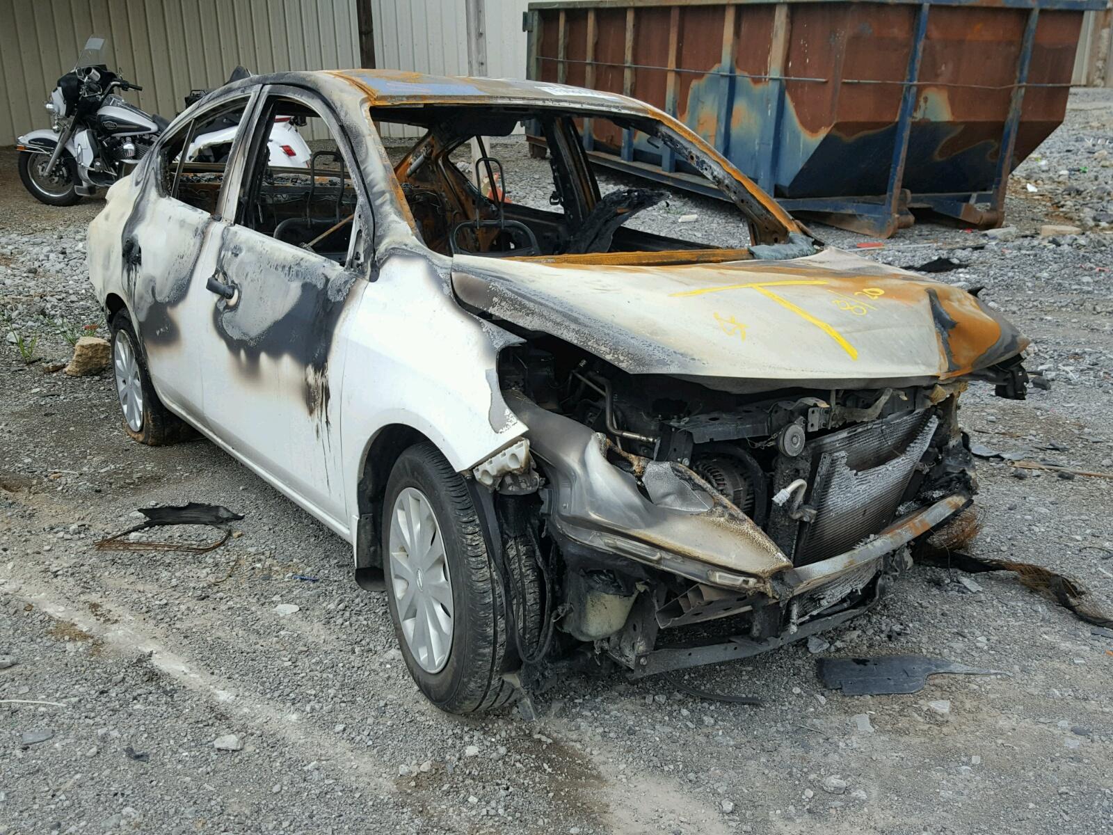 Salvage 2016 Nissan VERSA S for sale