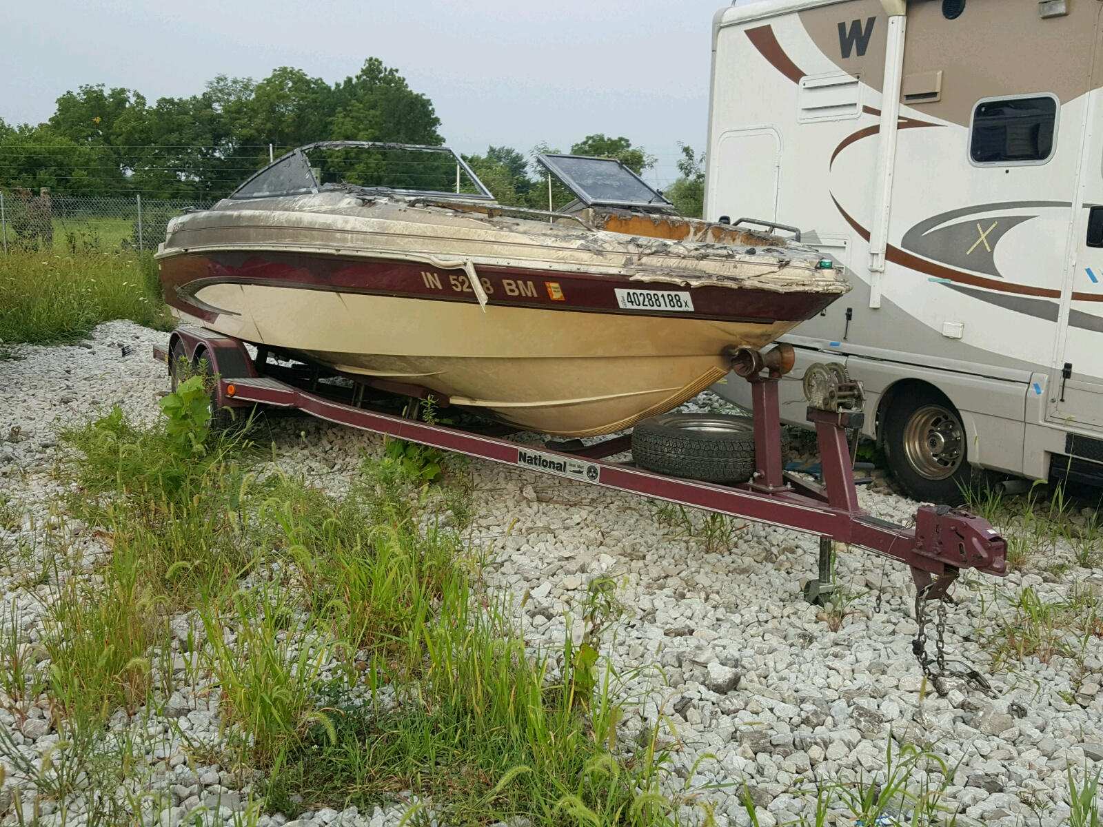 Salvage 1999 Glastron BOAT for sale