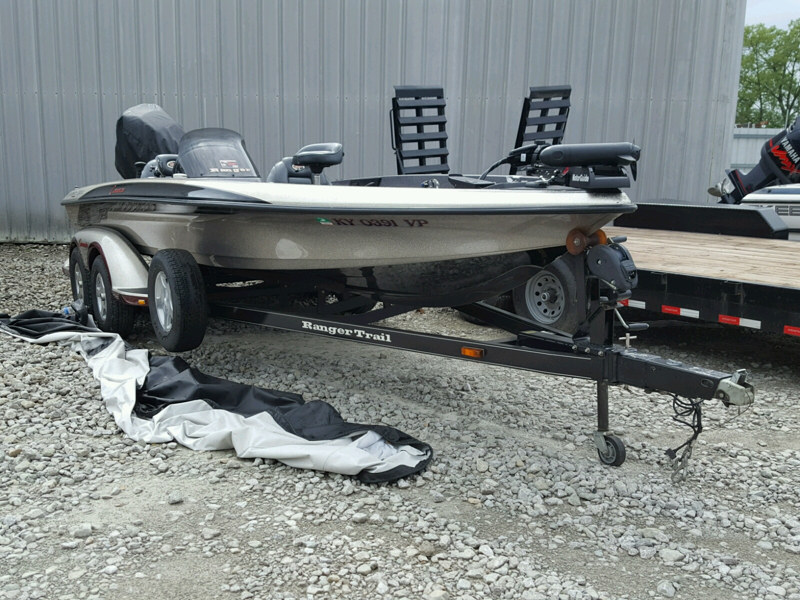 Salvage 2002 Land Rover BASS BOAT for sale