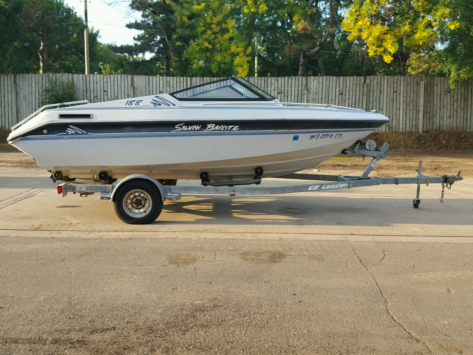 Salvage 1992 Sylvan BOAT for sale