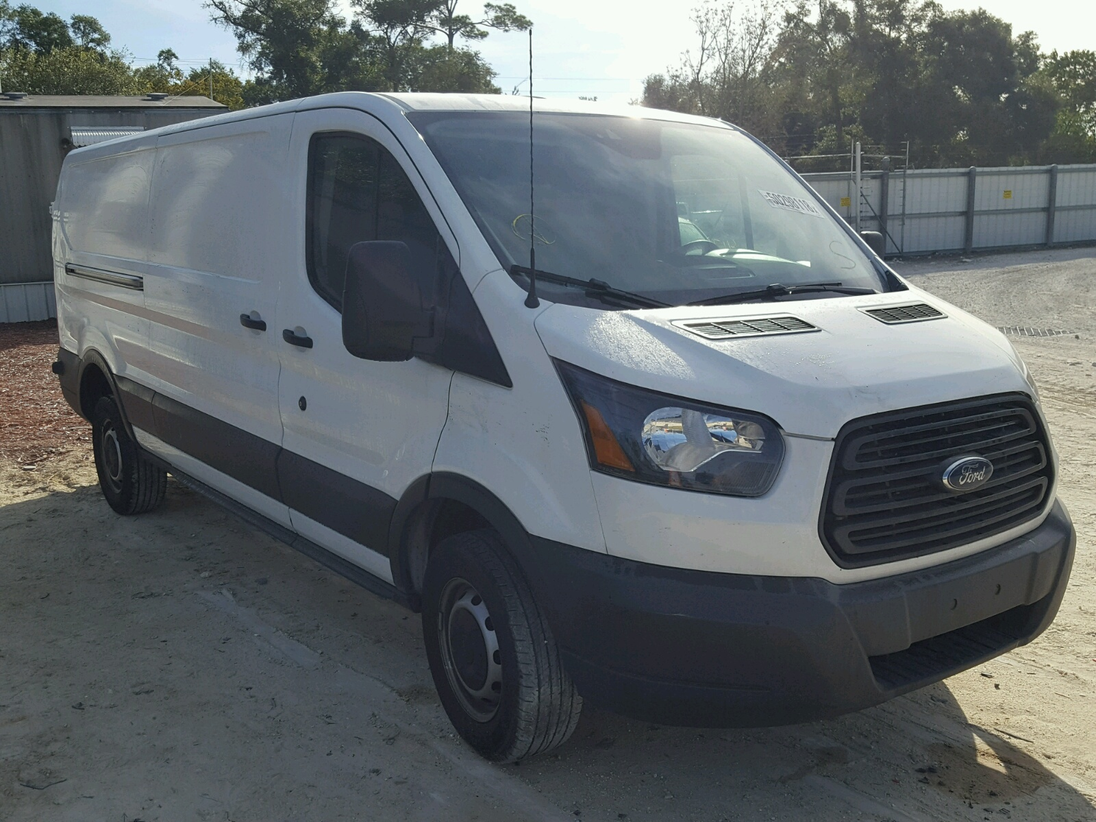 Salvage 2017 Ford TRANSIT T for sale
