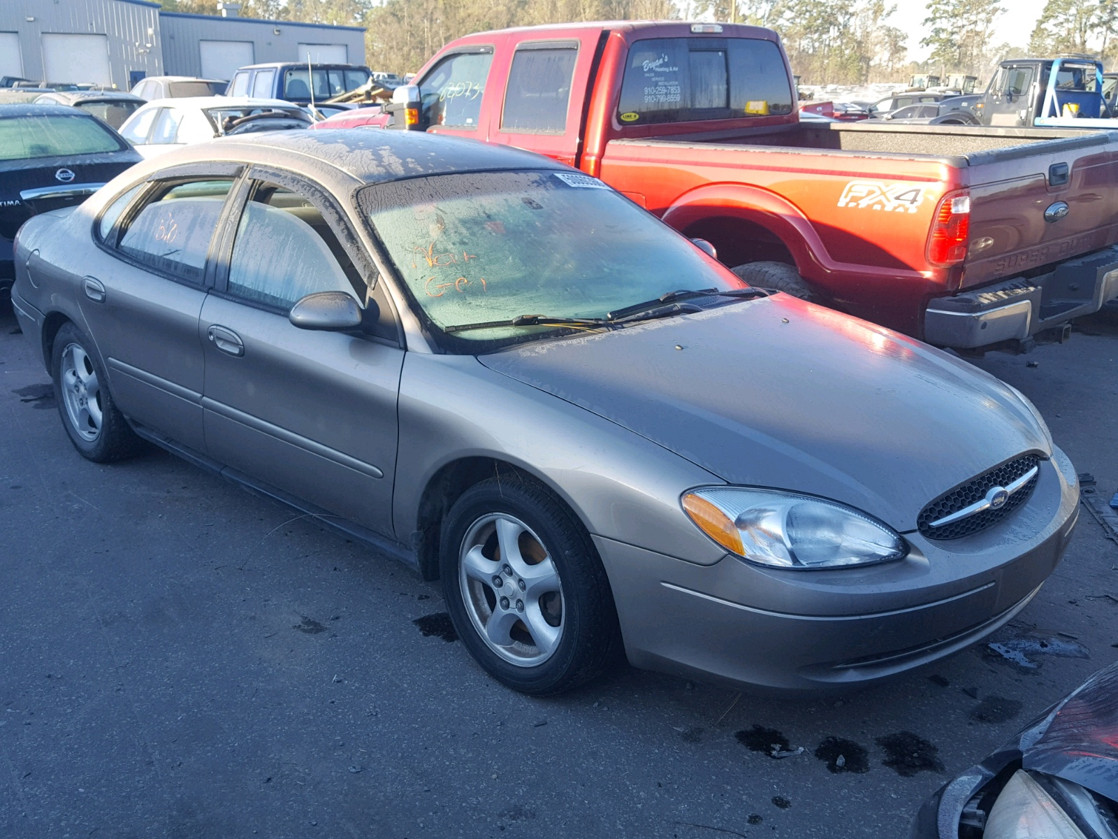 Salvage 2003 Ford TAURUS SE for sale