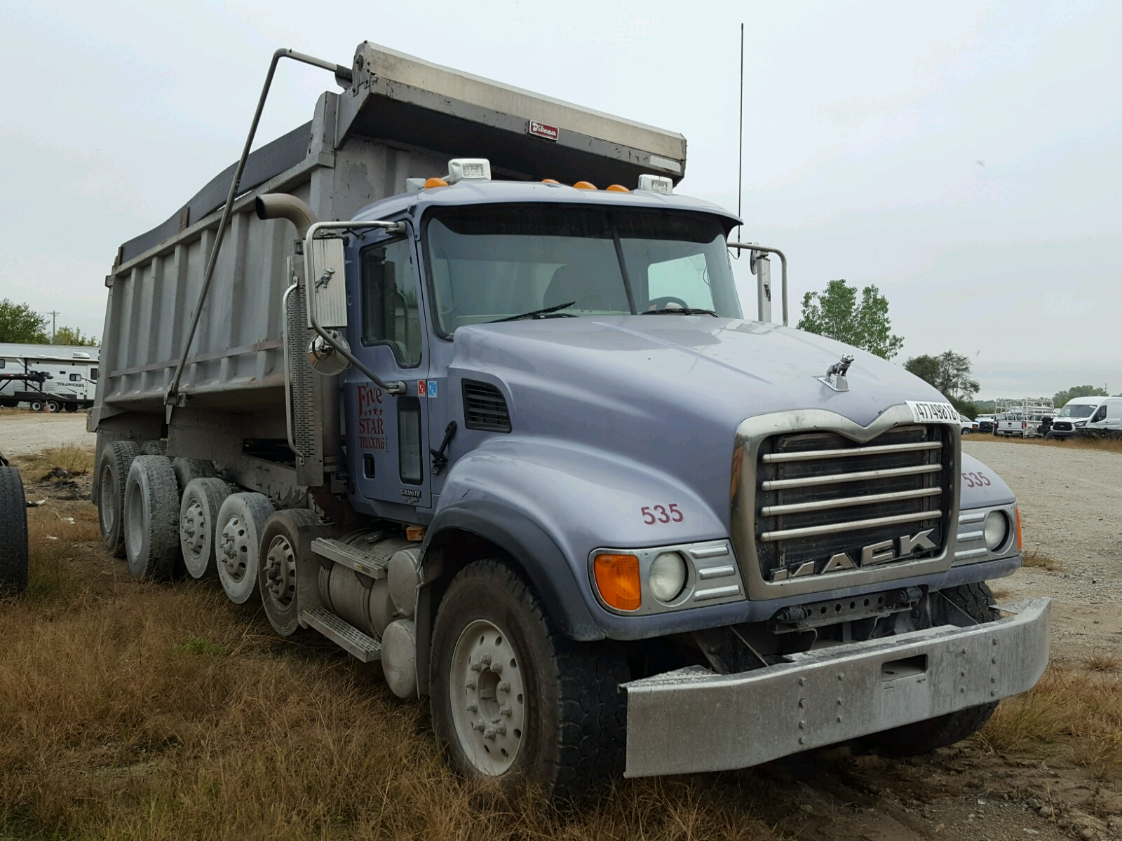 Salvage 2005 Mack 700 CV700 for sale