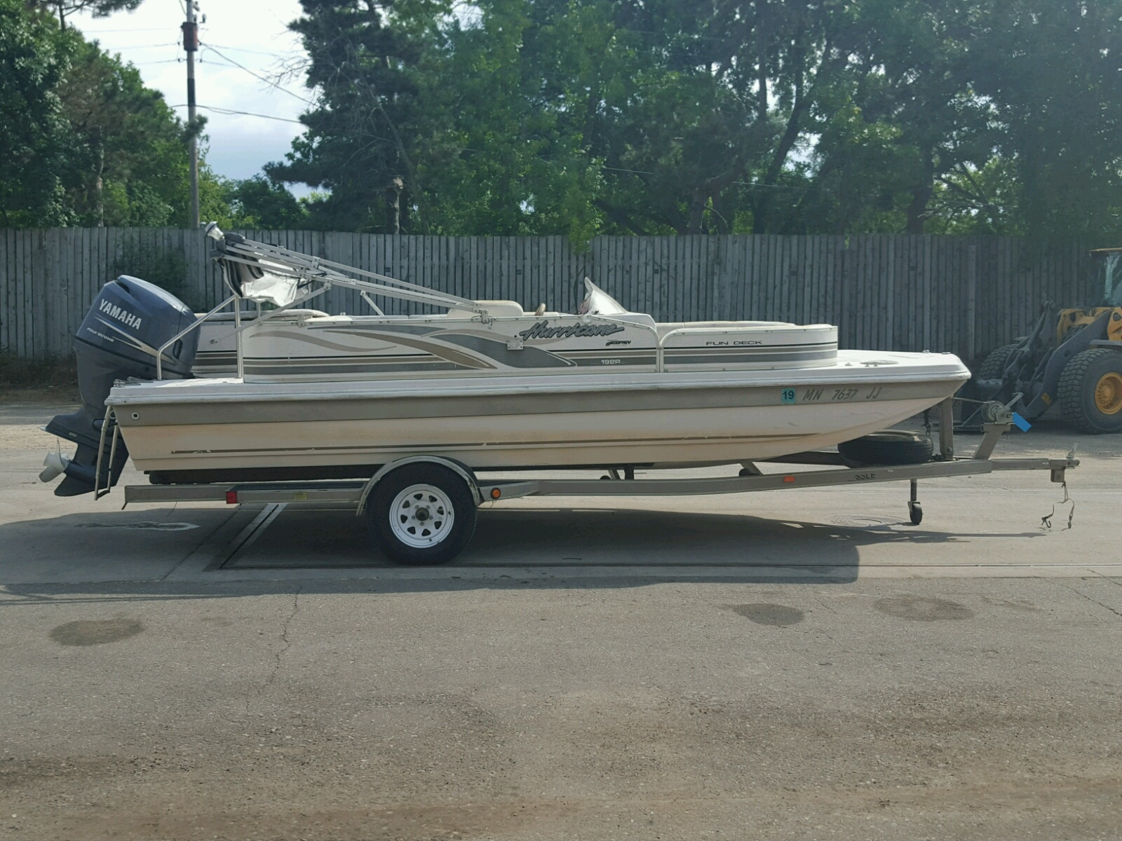 Salvage 2002 Hurricane BOAT for sale